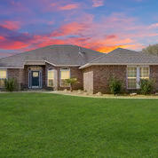 Photo of home for sale at 6516 Calle De Lago, Navarre FL