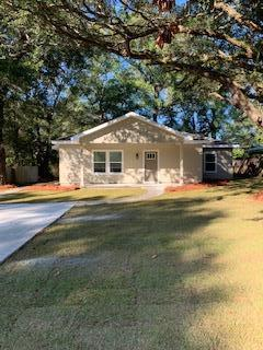 Photo of home for sale at 82 Live Oak, Freeport FL