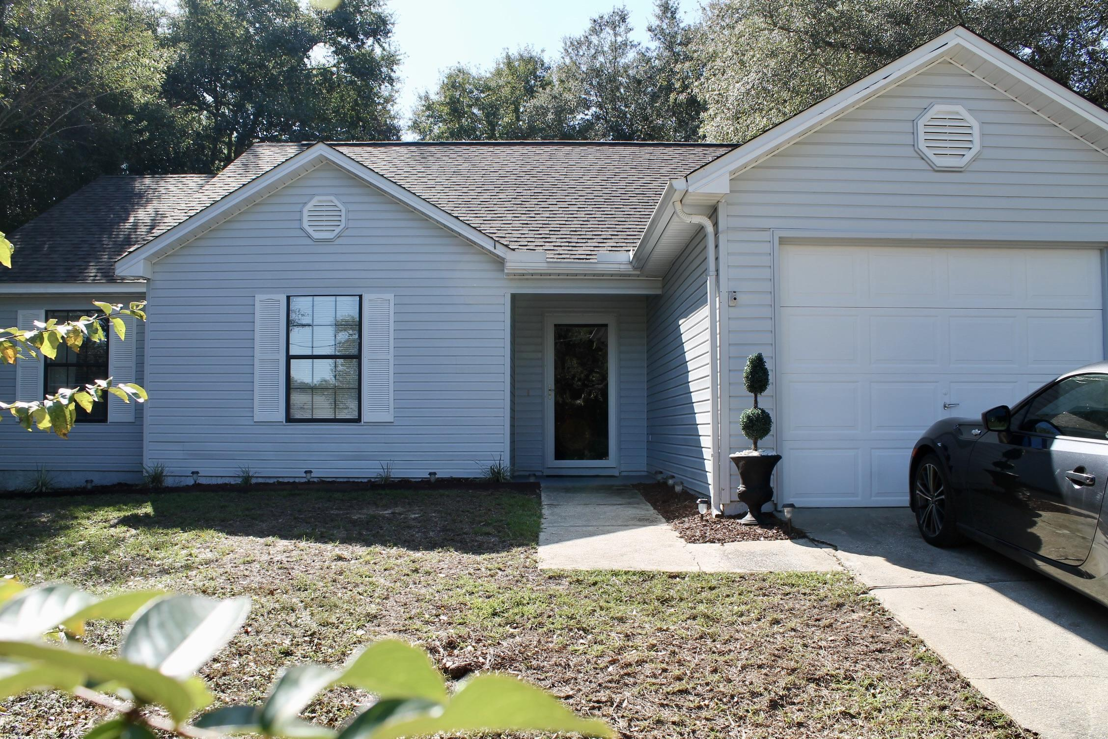 Photo of home for sale at 224 Grand Prix, Crestview FL