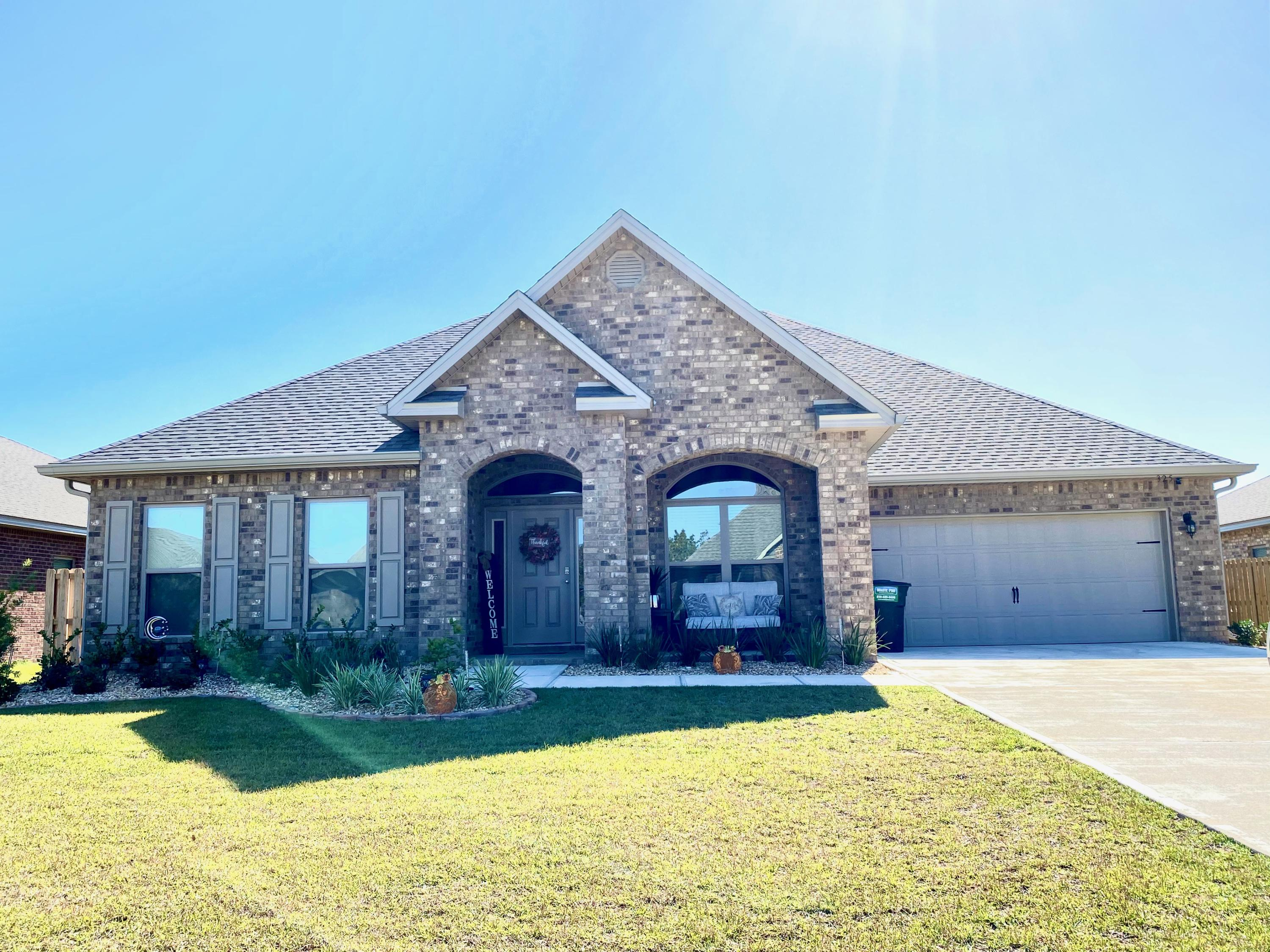 Photo of home for sale at 325 Merlin, Crestview FL