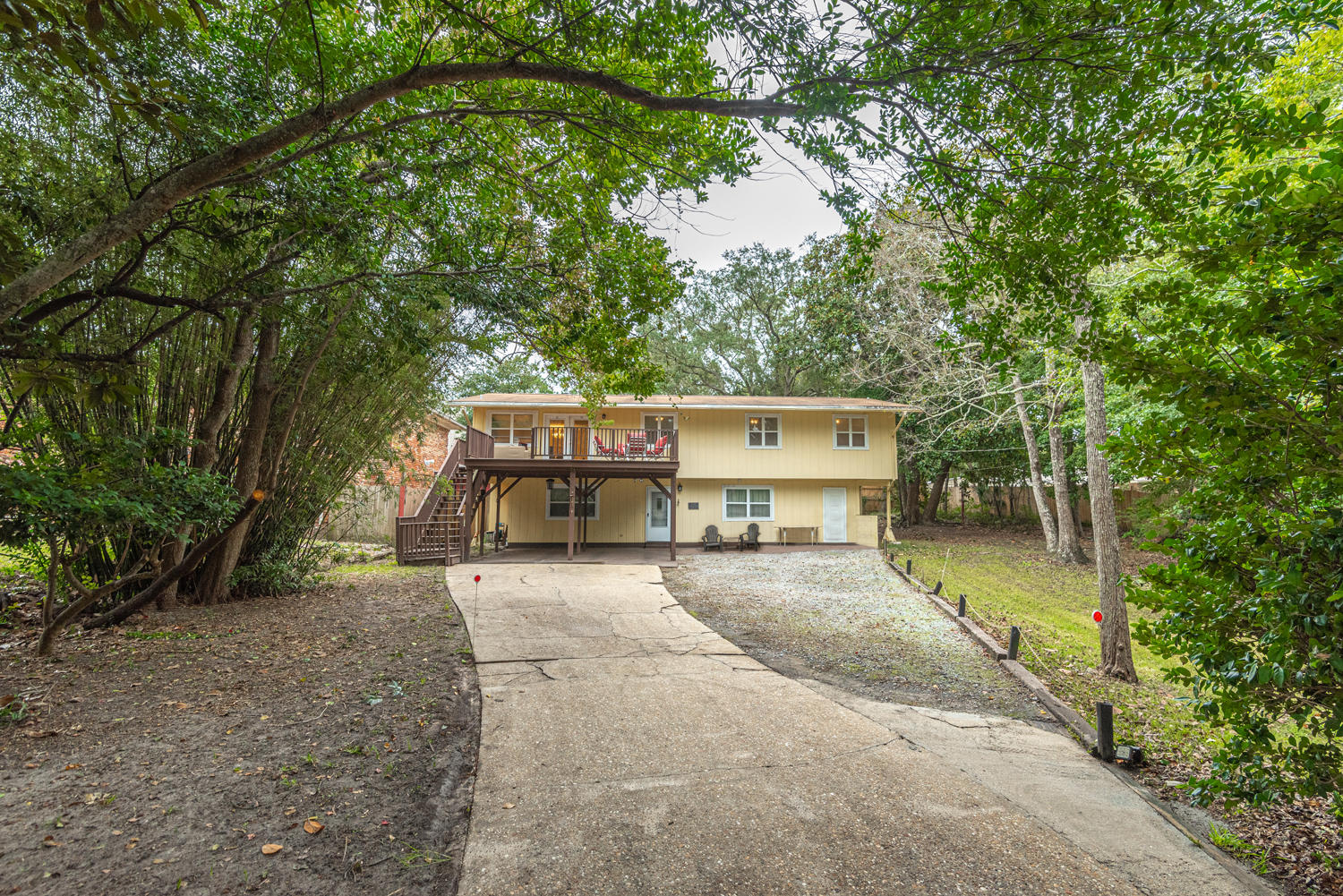 Photo of home for sale at 14 6, Shalimar FL