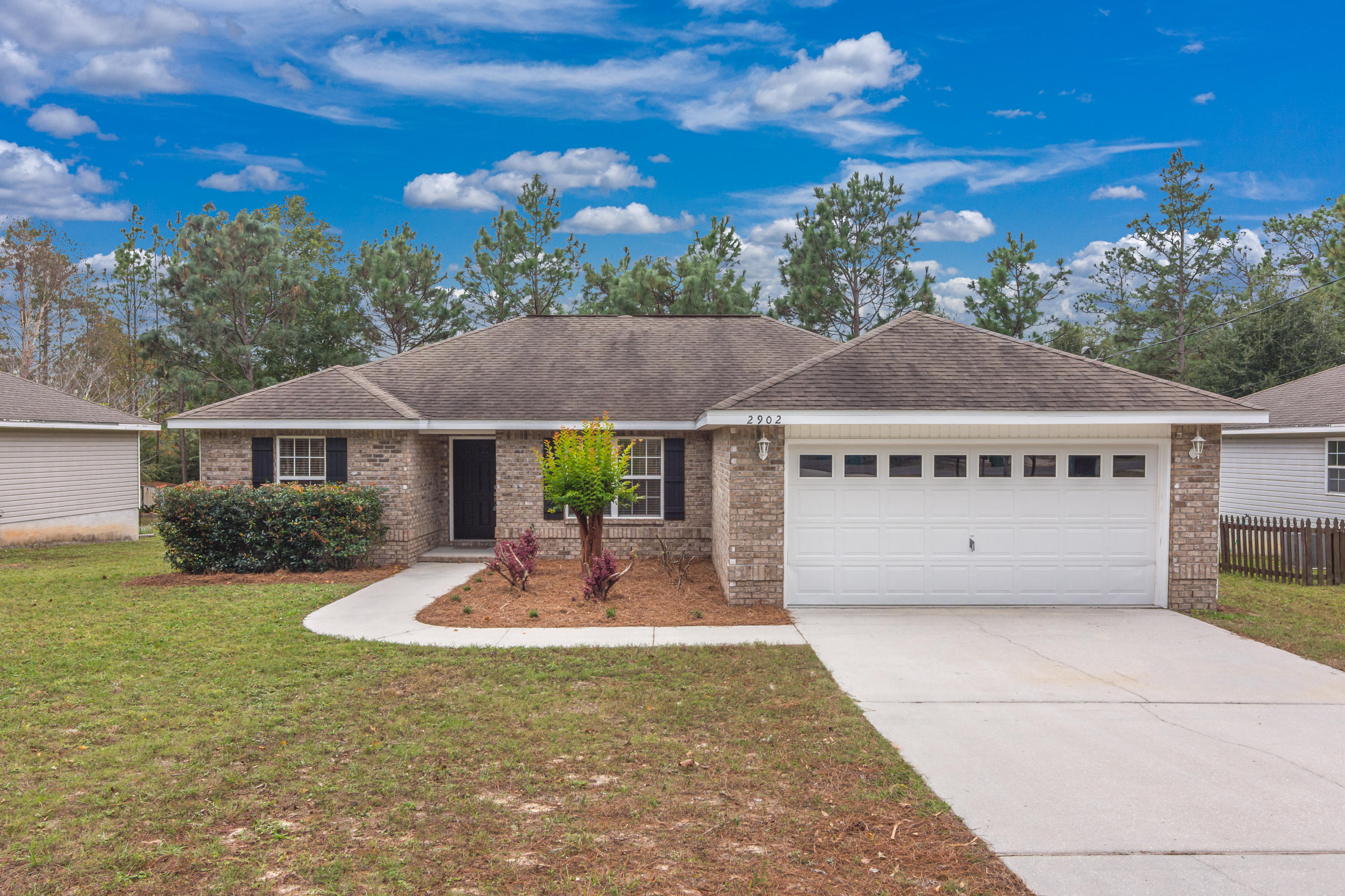 Photo of home for sale at 2902 Azalea, Crestview FL