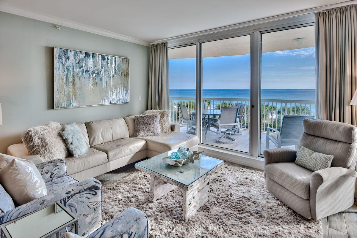 Photo of home for sale at 15200 Emerald Coast, Destin FL