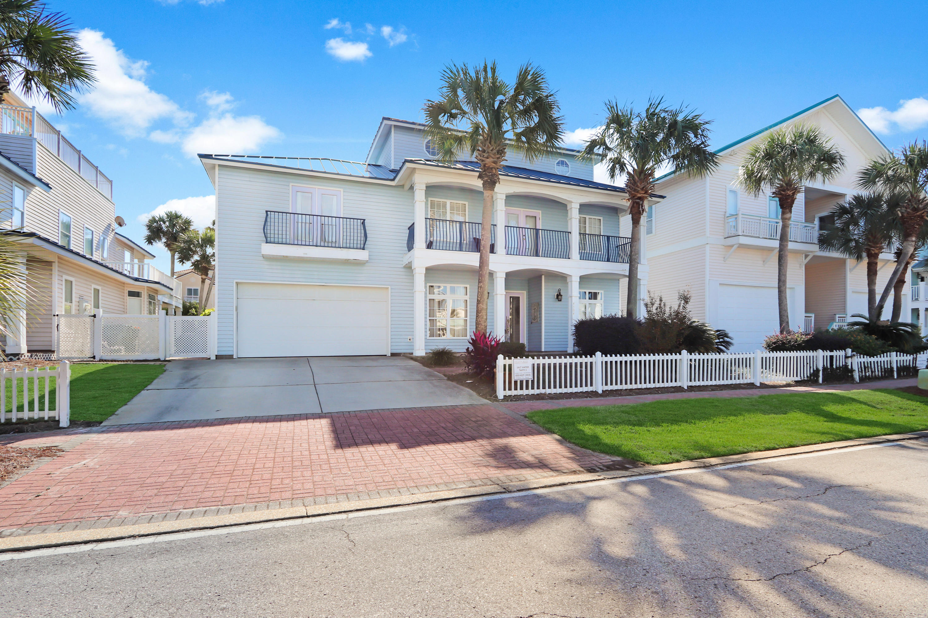 Photo of home for sale at 4504 Ocean View, Destin FL