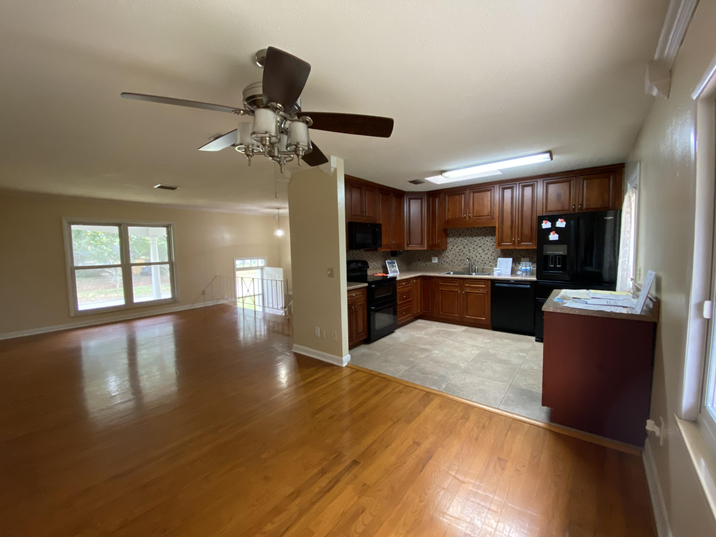 Photo of home for sale at 42 Chelsea, Fort Walton Beach FL