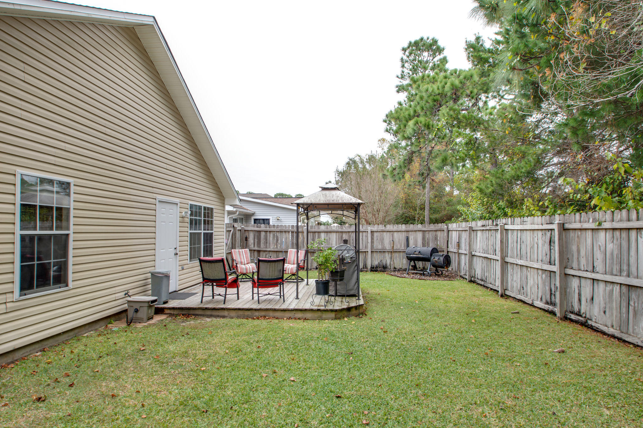 Photo of home for sale at 1277 Laura, Niceville FL