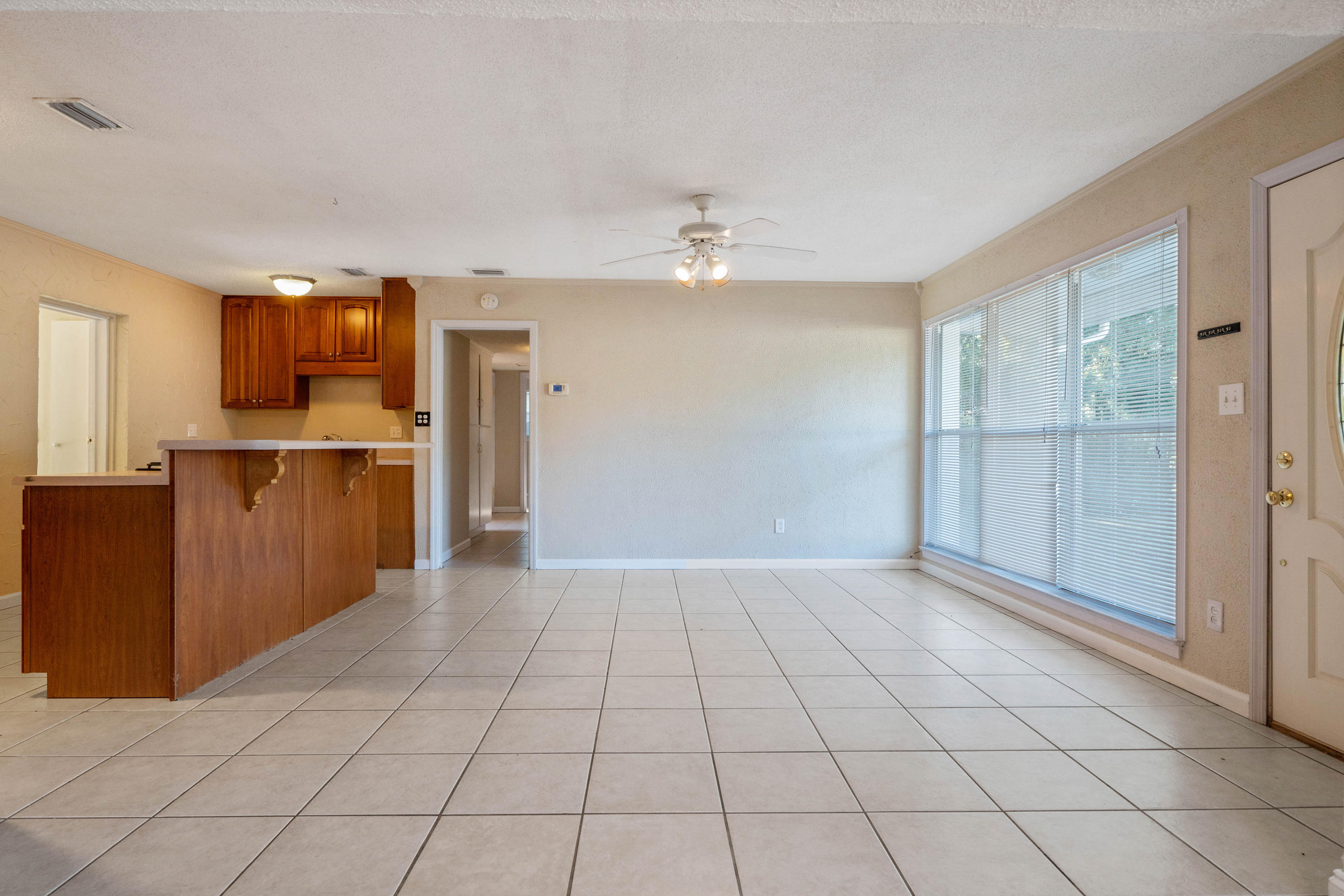 Photo of home for sale at 373 Gardner, Fort Walton Beach FL