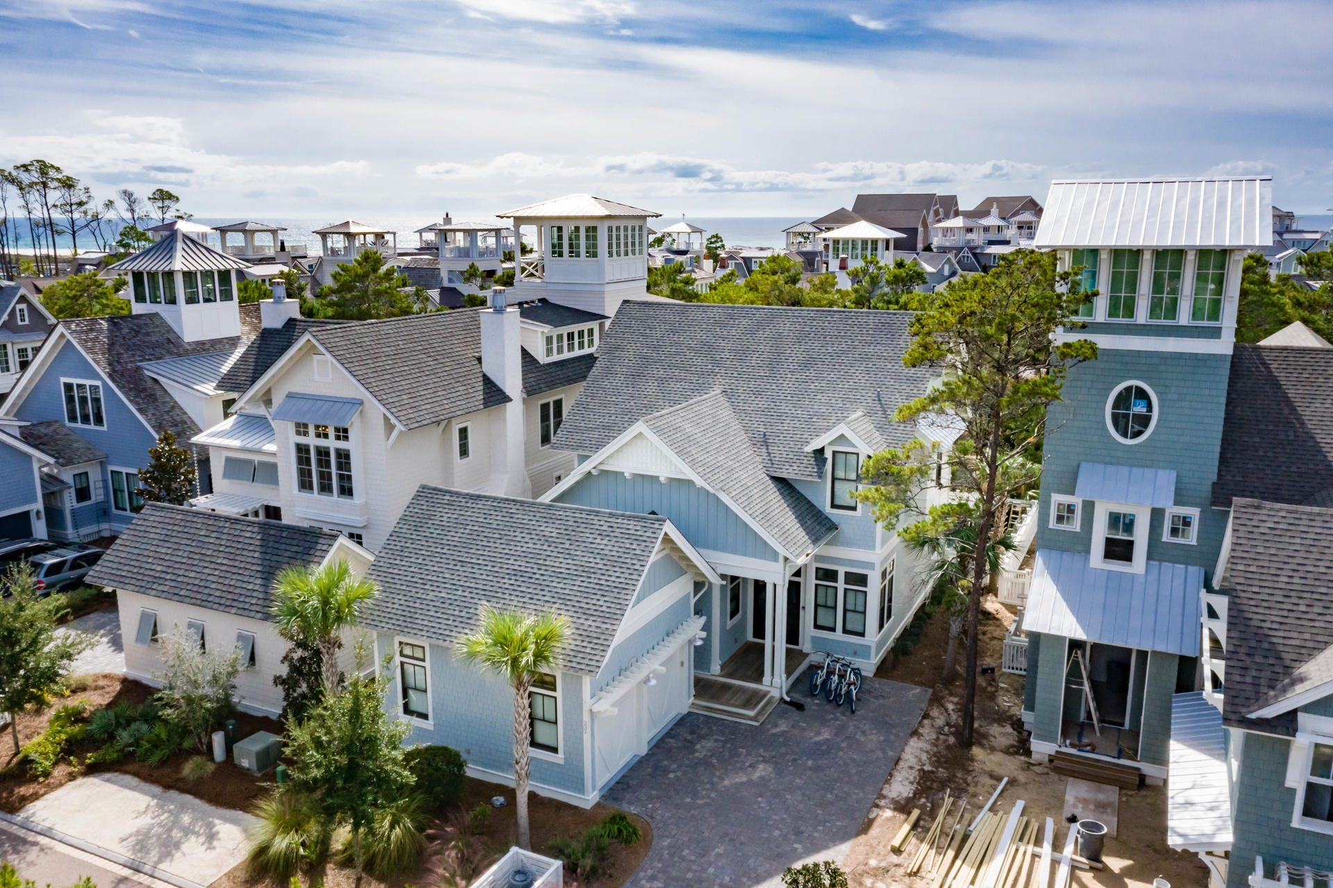 Photo of home for sale at 232 Yacht Pond, Watersound FL