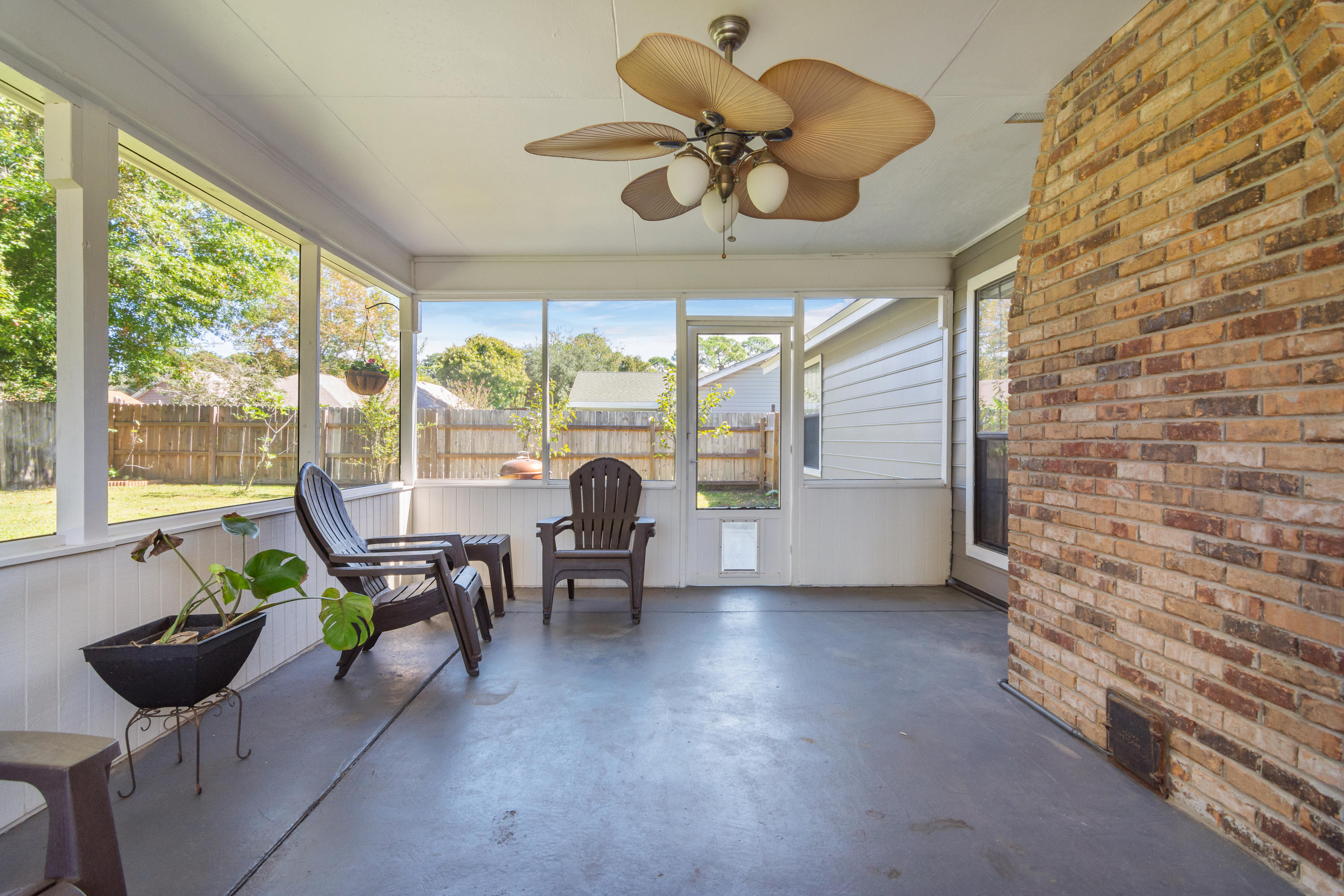 Photo of home for sale at 130 Brian, Mary Esther FL