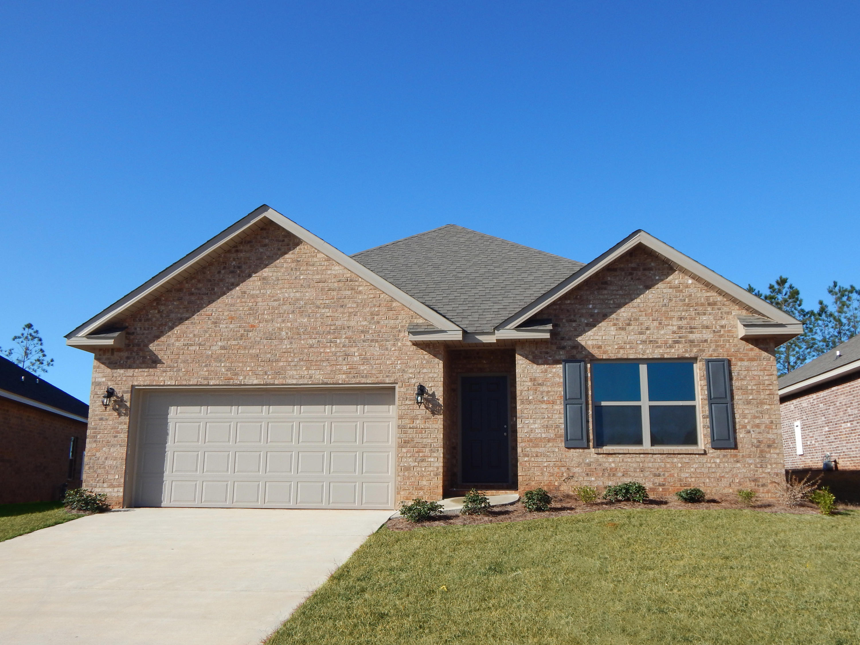 Photo of home for sale at 1006 Limpkin, Crestview FL