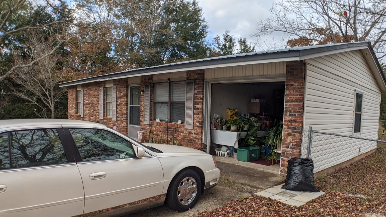 Photo of home for sale at 3413 Melissa, Crestview FL