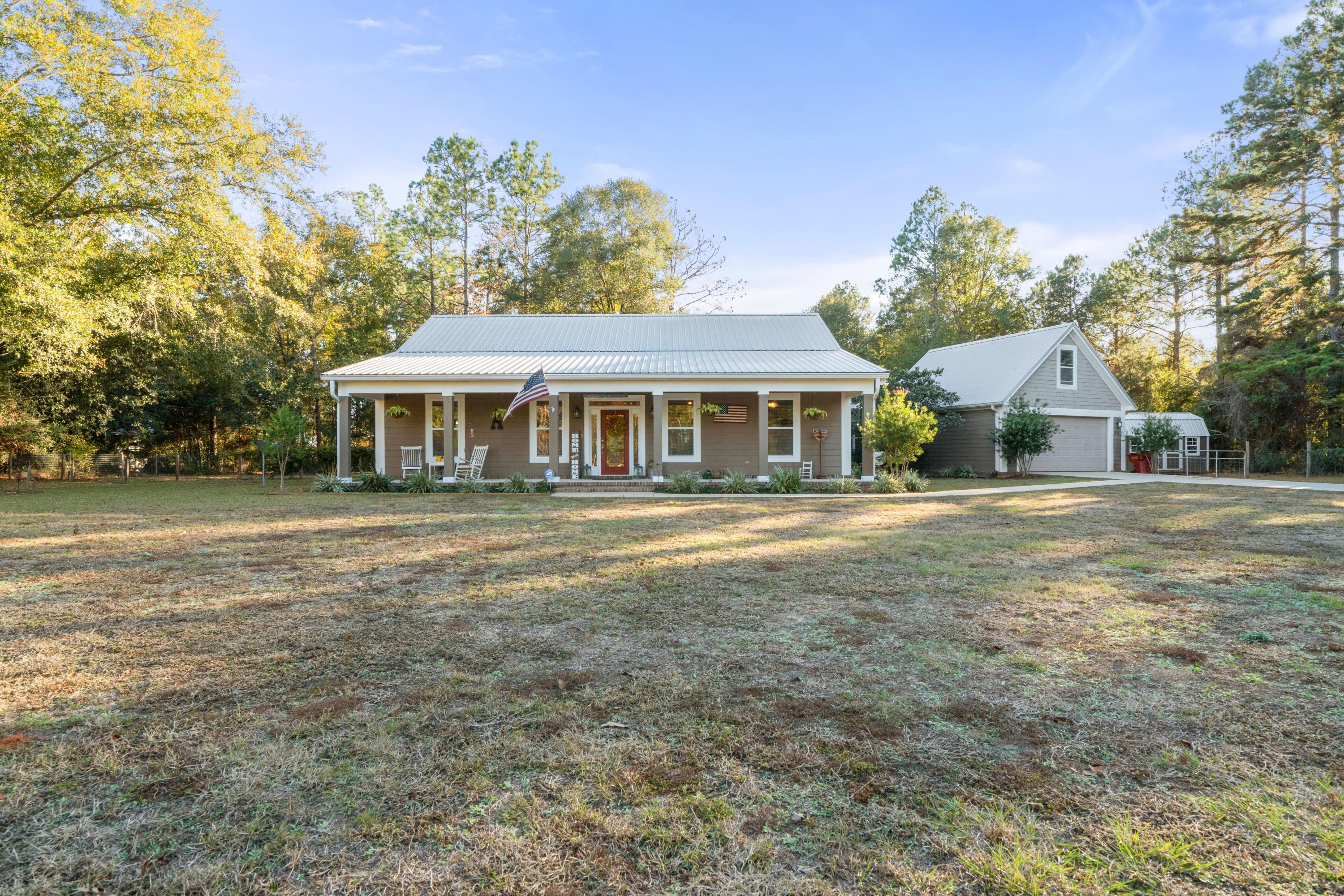 Photo of home for sale at 1472 Greenwood, Baker FL