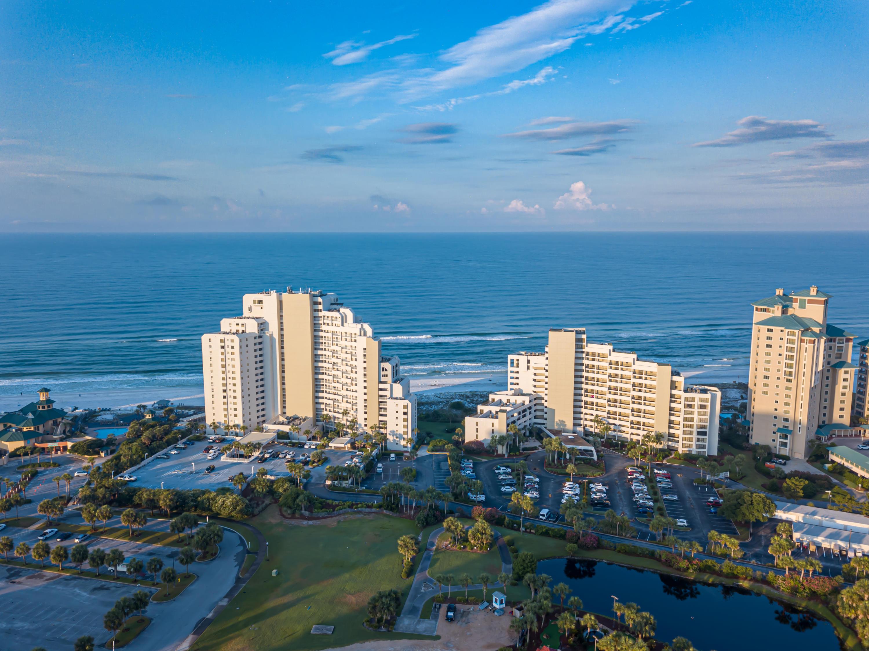 Photo of home for sale at 4239 Beachside Two, Miramar Beach FL