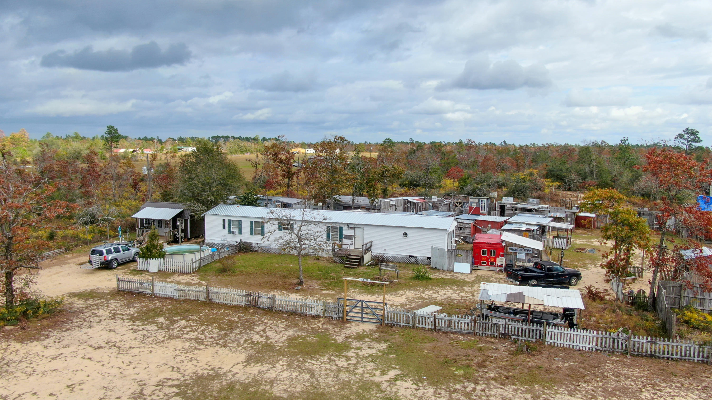 Photo of home for sale at 102 Fairview, Marianna FL