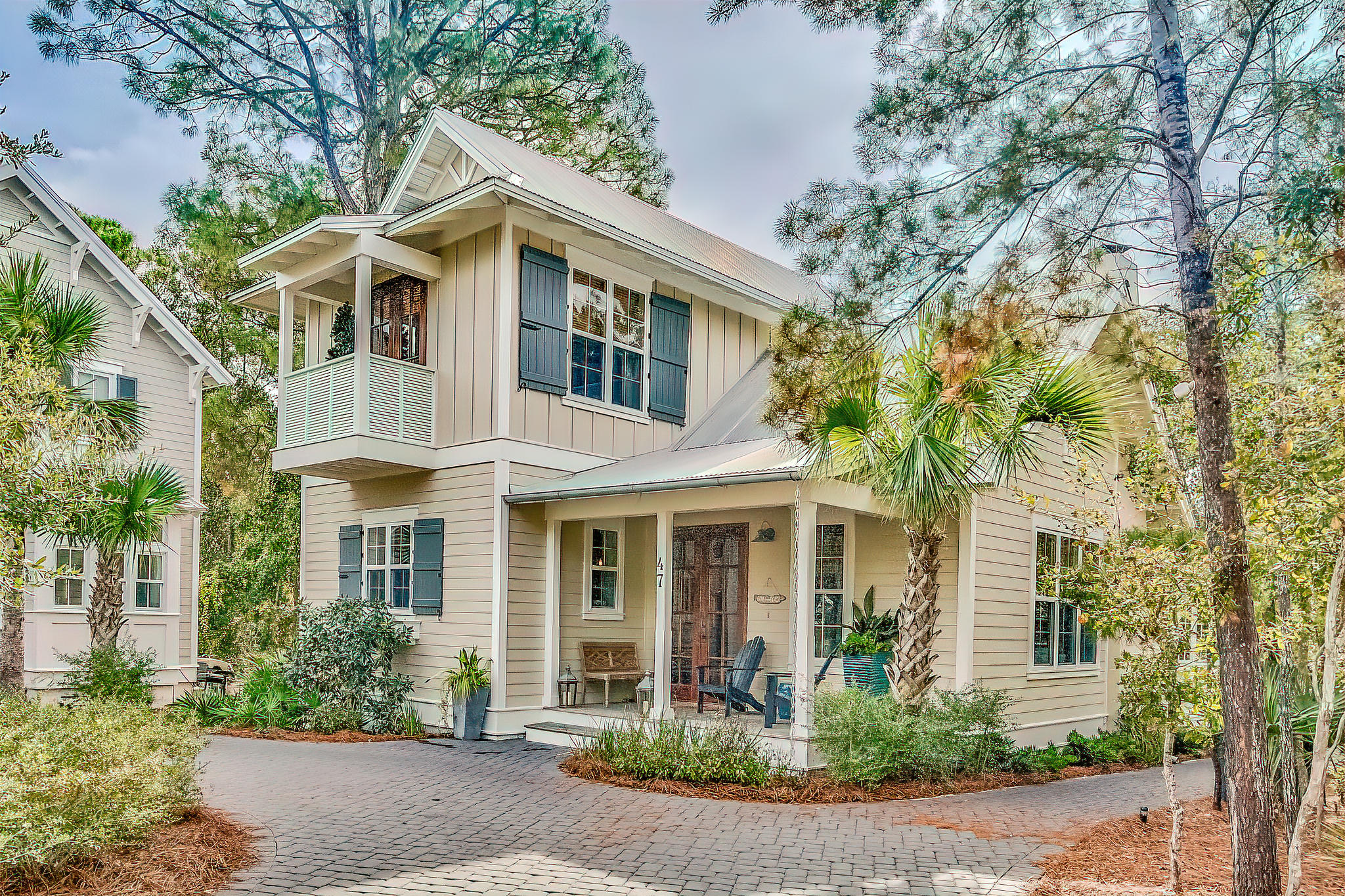 Located in the Hammocks of Seagrove between Watercolor and Seagrove, this 3 bedroom, 4 bath, custom