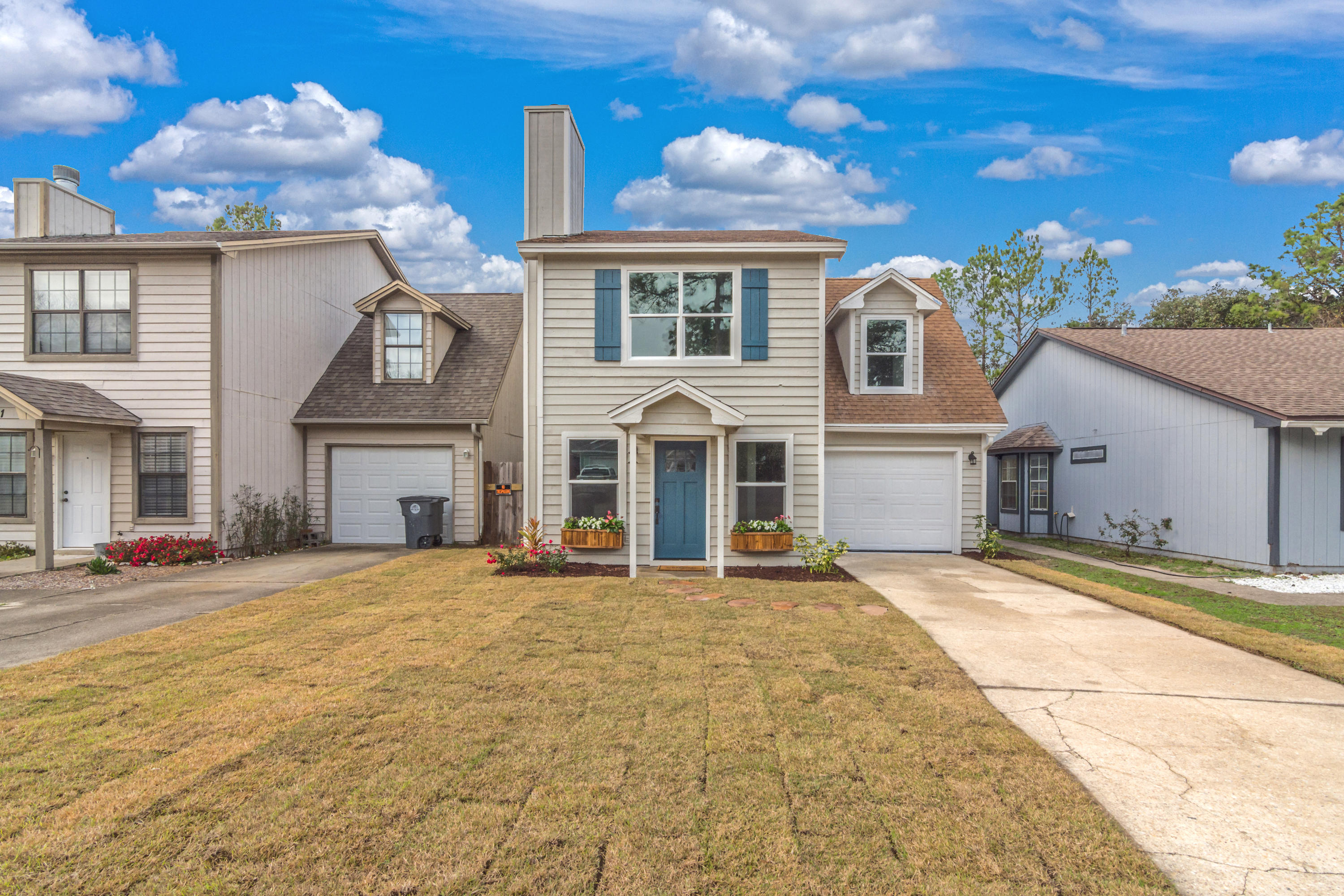 Photo of home for sale at 73 Kelly, Valparaiso FL