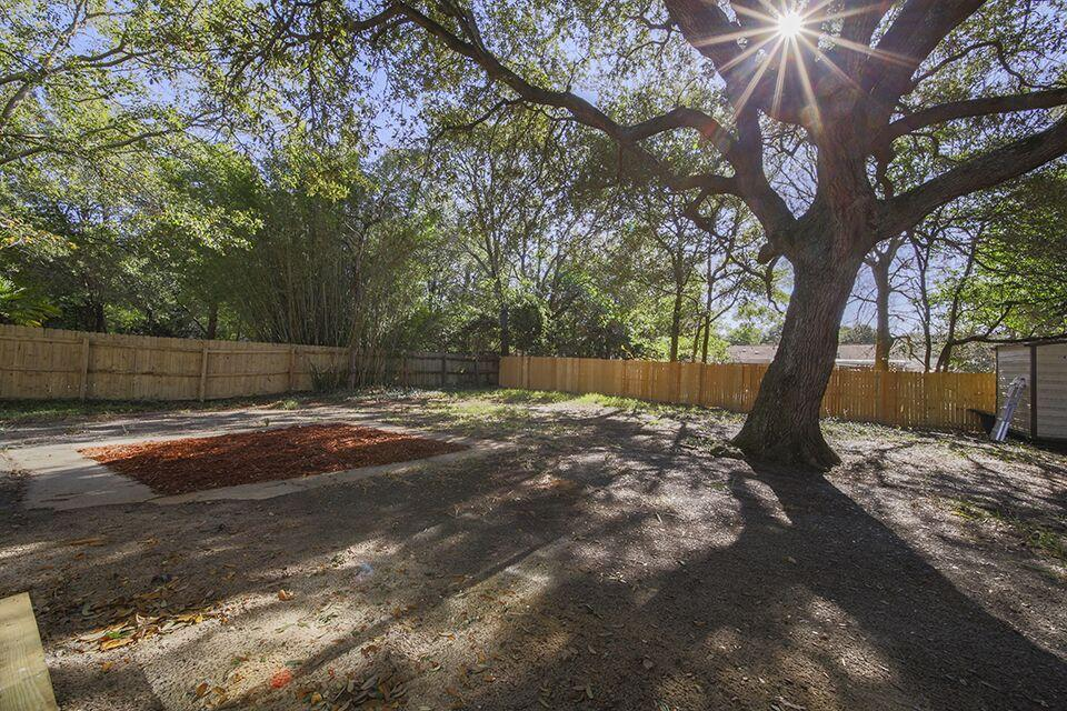 Photo of home for sale at 708 Crestwood, Mary Esther FL