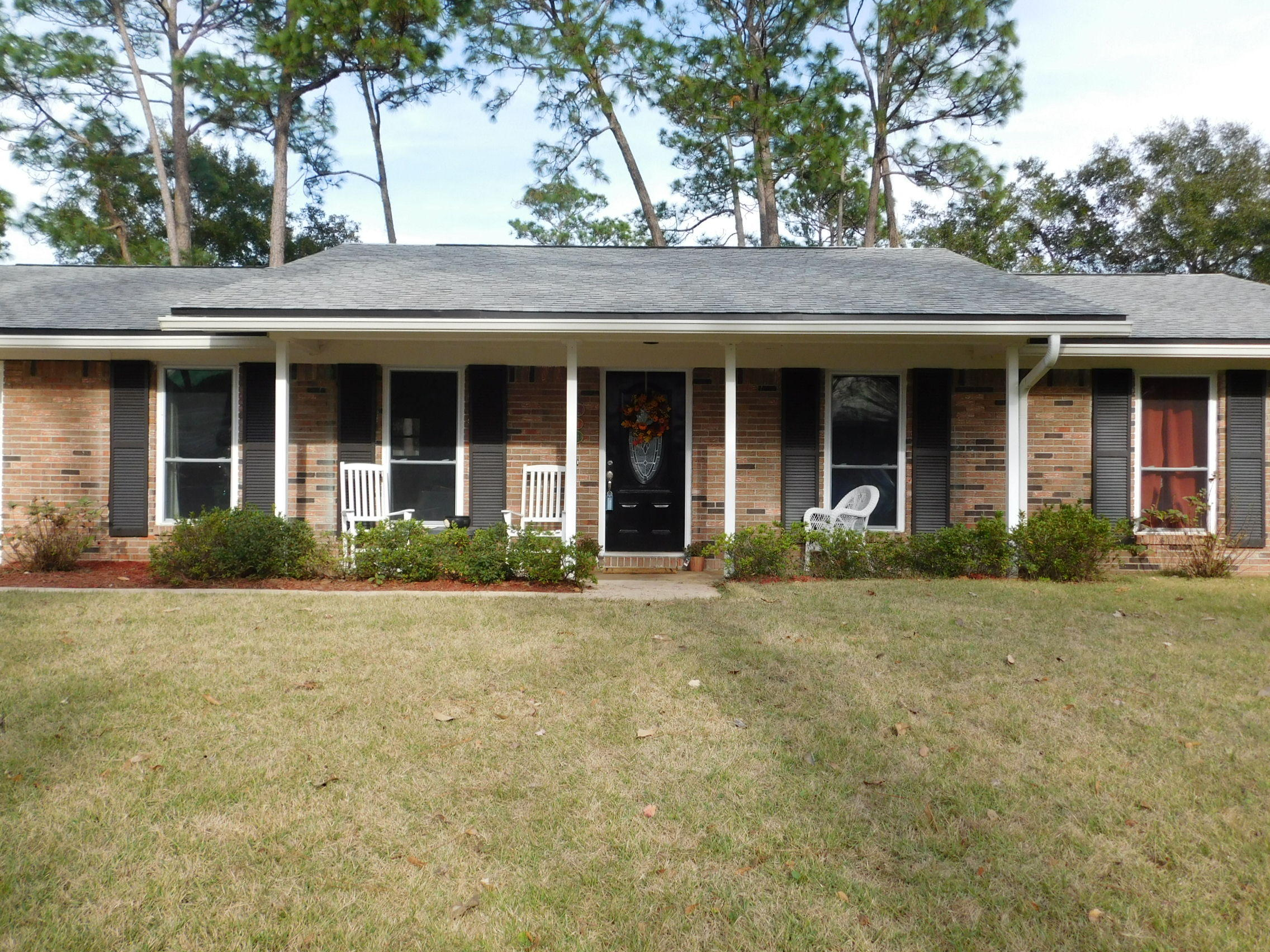 Photo of home for sale at 1809 Rattan Palm, Niceville FL