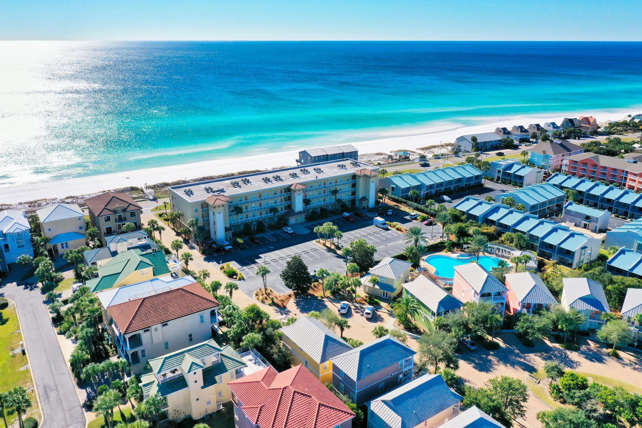 Photo of home for sale at 78 Beach Retreat, Miramar Beach FL