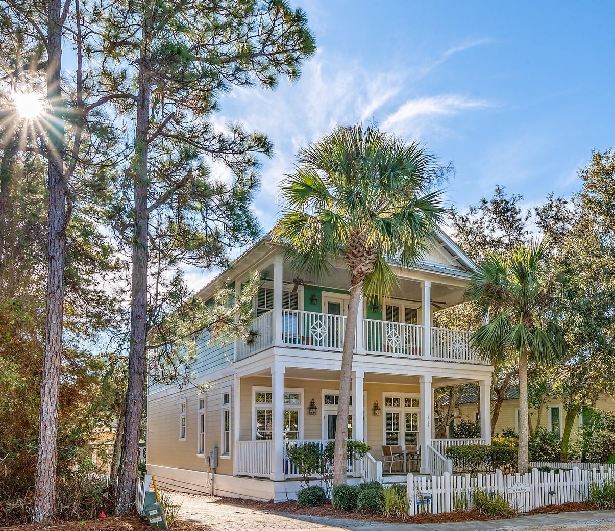 Photo of home for sale at 115 Parkshore, Panama City Beach FL