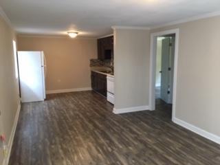 A 2 Bedroom 1 Bedroom Parkway Apartments Rental