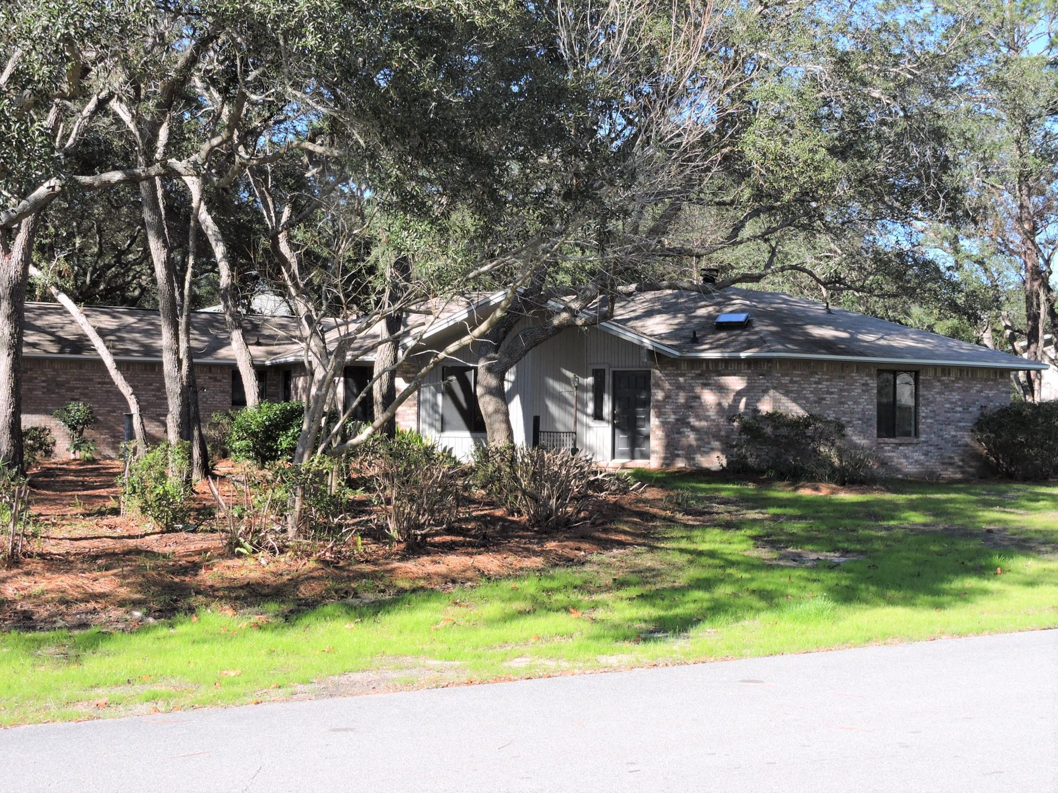Photo of home for sale at 409 Greenwood, Niceville FL