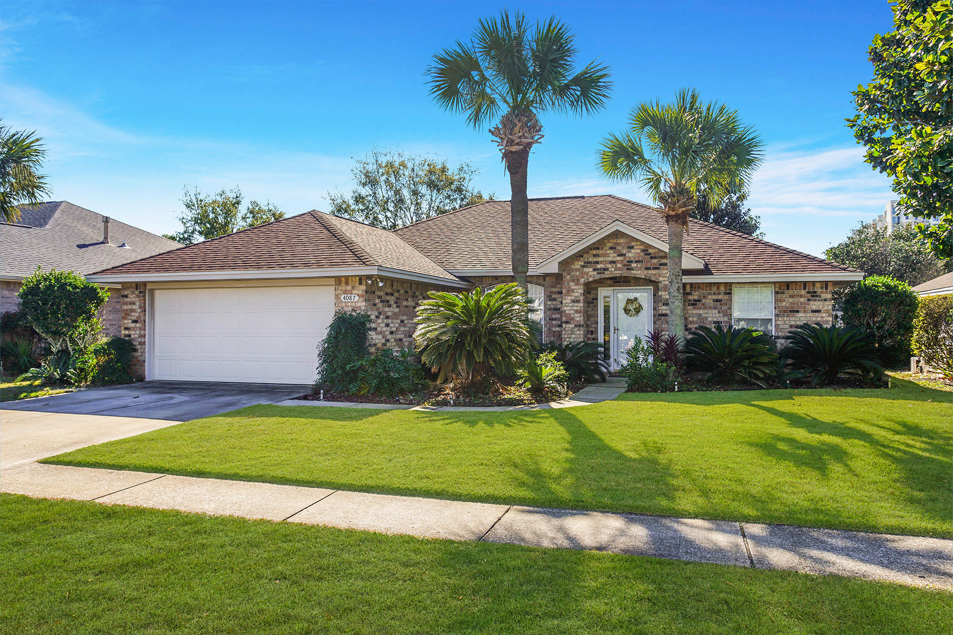 Photo of home for sale at 4087 Drifting Sand, Destin FL