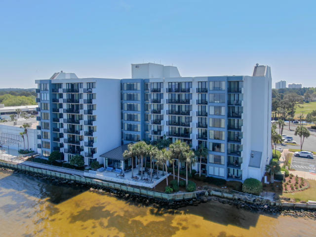 BEST DEAL IN SANDESTIN! Welcome to Bayside, Sandestin's premier condominium fronting the Choctawhatc
