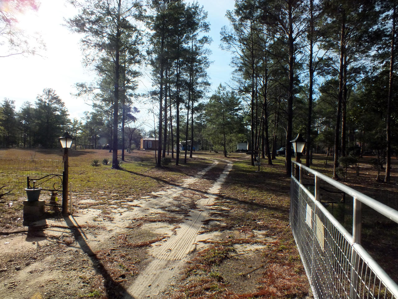 Photo of home for sale at 46 Striped Dolphins, Defuniak Springs FL