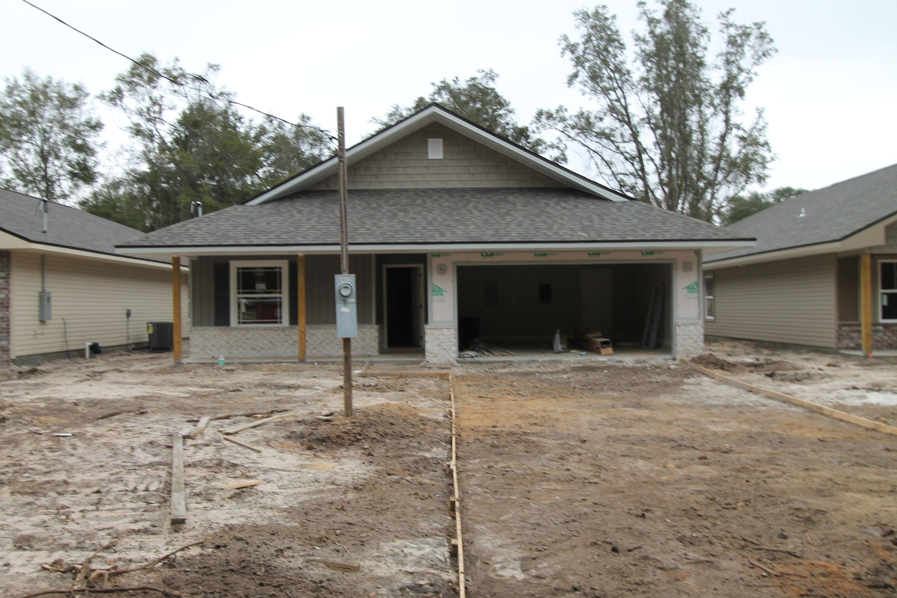 Photo of home for sale at 611 Lee, Fort Walton Beach FL