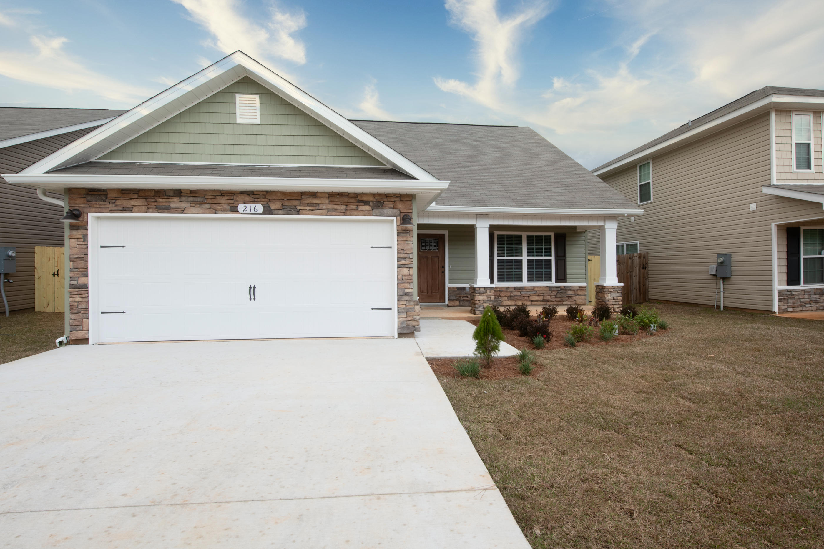 Photo of home for sale at 216 Wainwright, Crestview FL