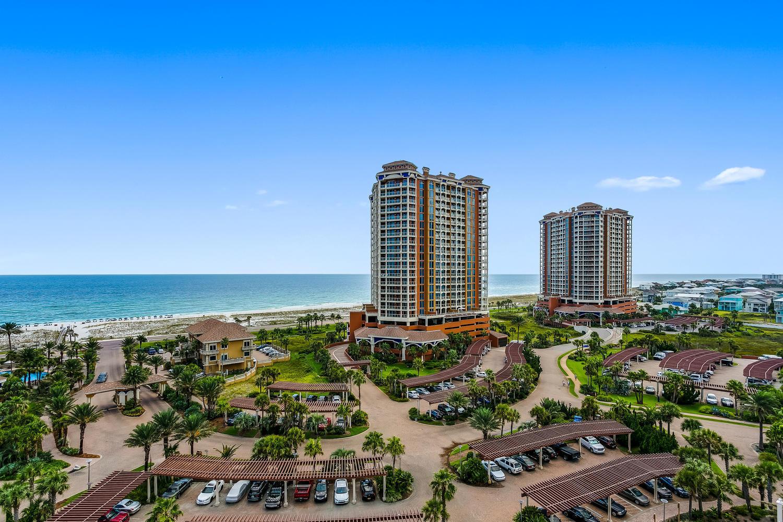 Photo of home for sale at 2 Portofino Dr, Gulf Breeze FL