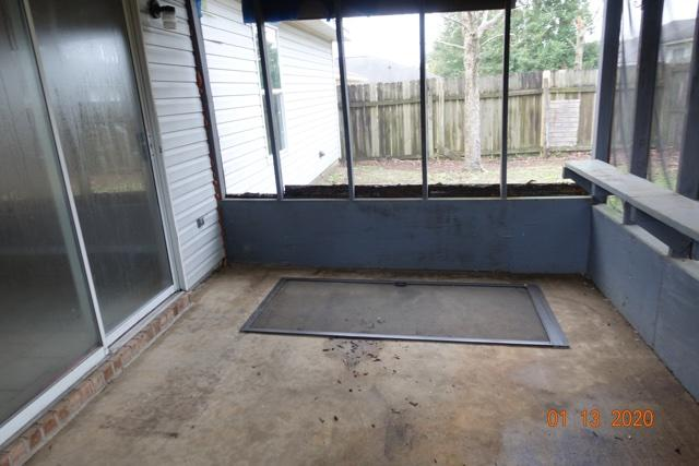 Photo of home for sale at 318 Apple, Crestview FL