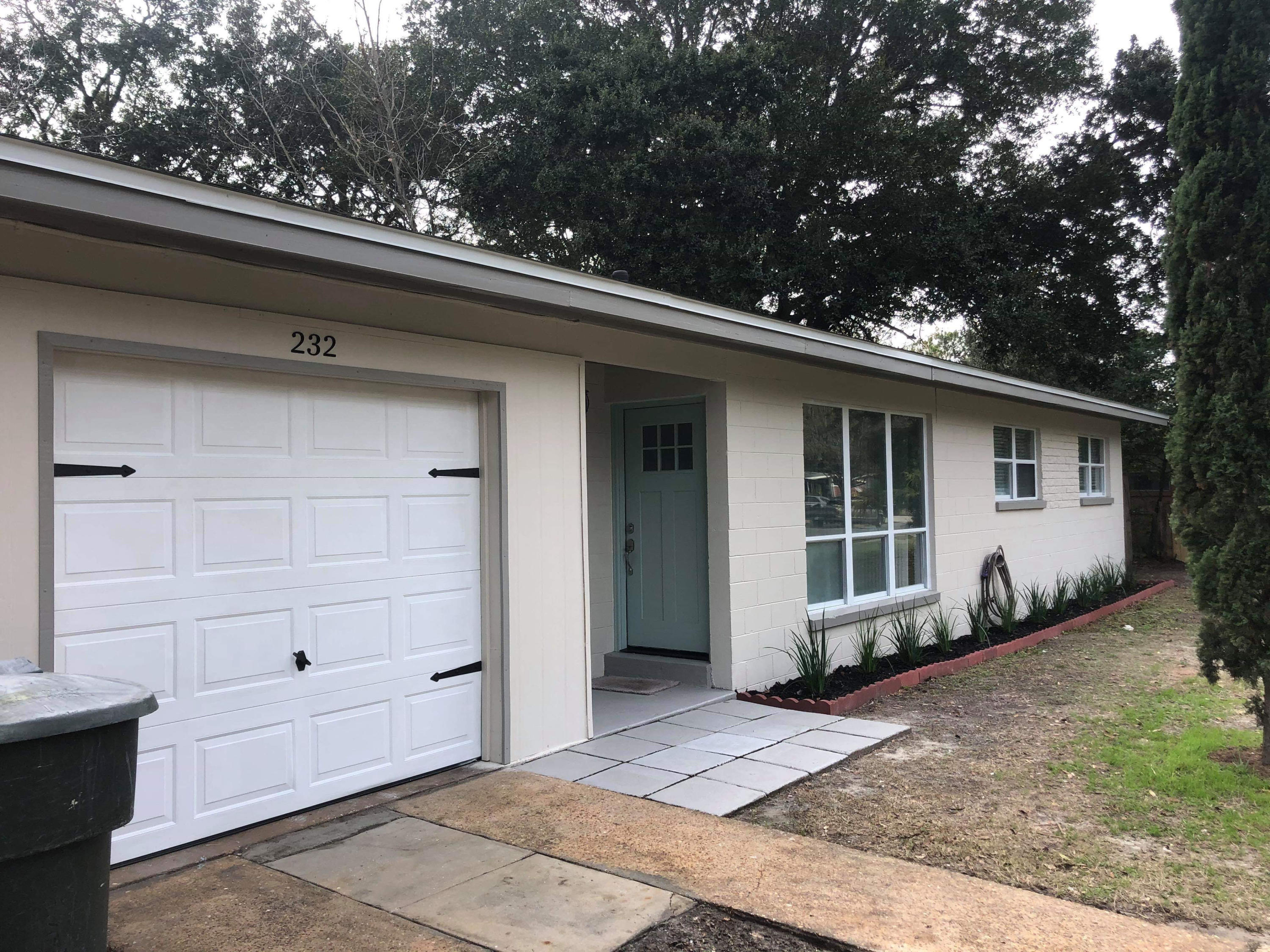 Photo of home for sale at 232 Coral, Fort Walton Beach FL
