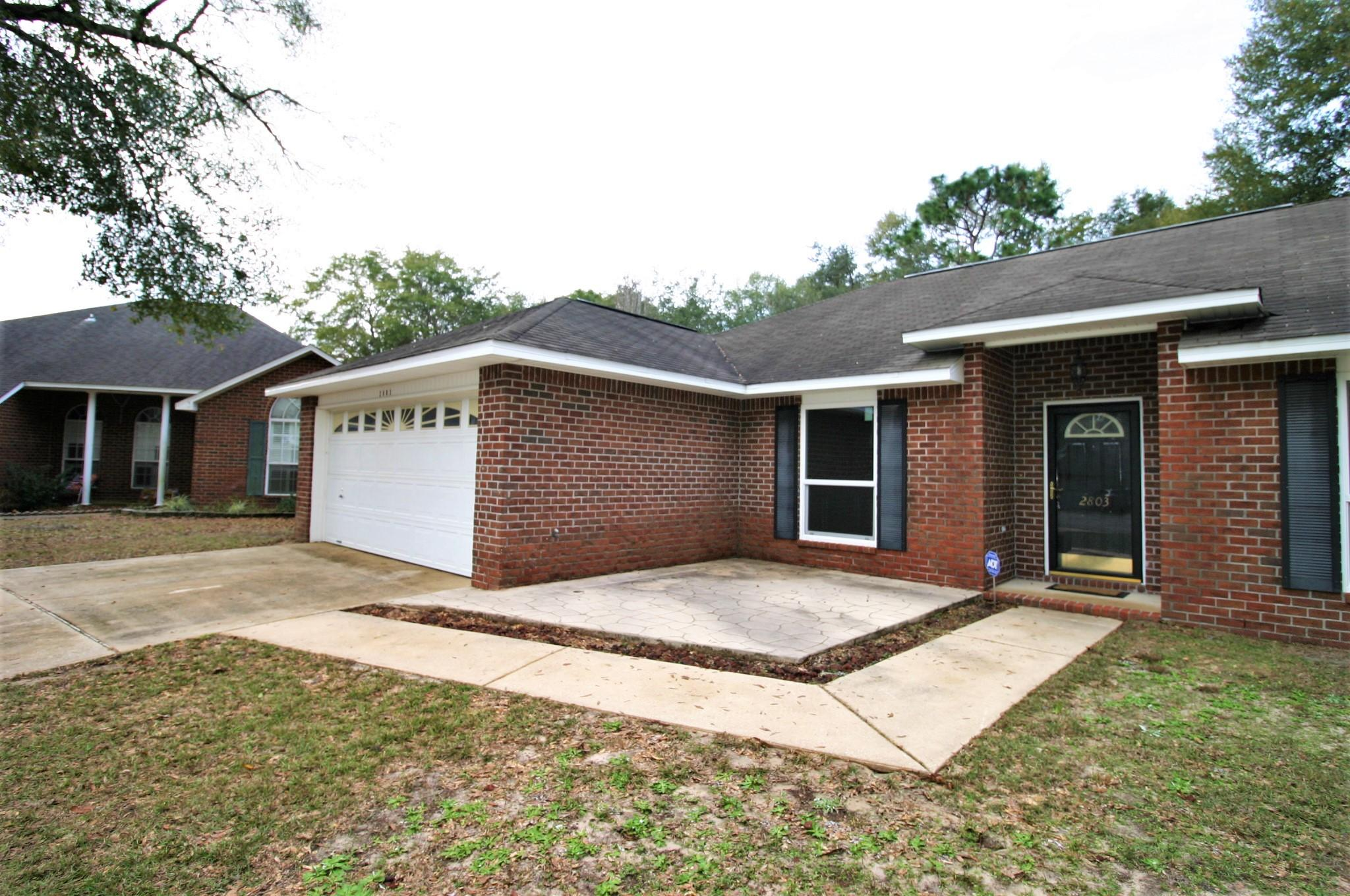 Photo of home for sale at 2803 Titleist, Crestview FL