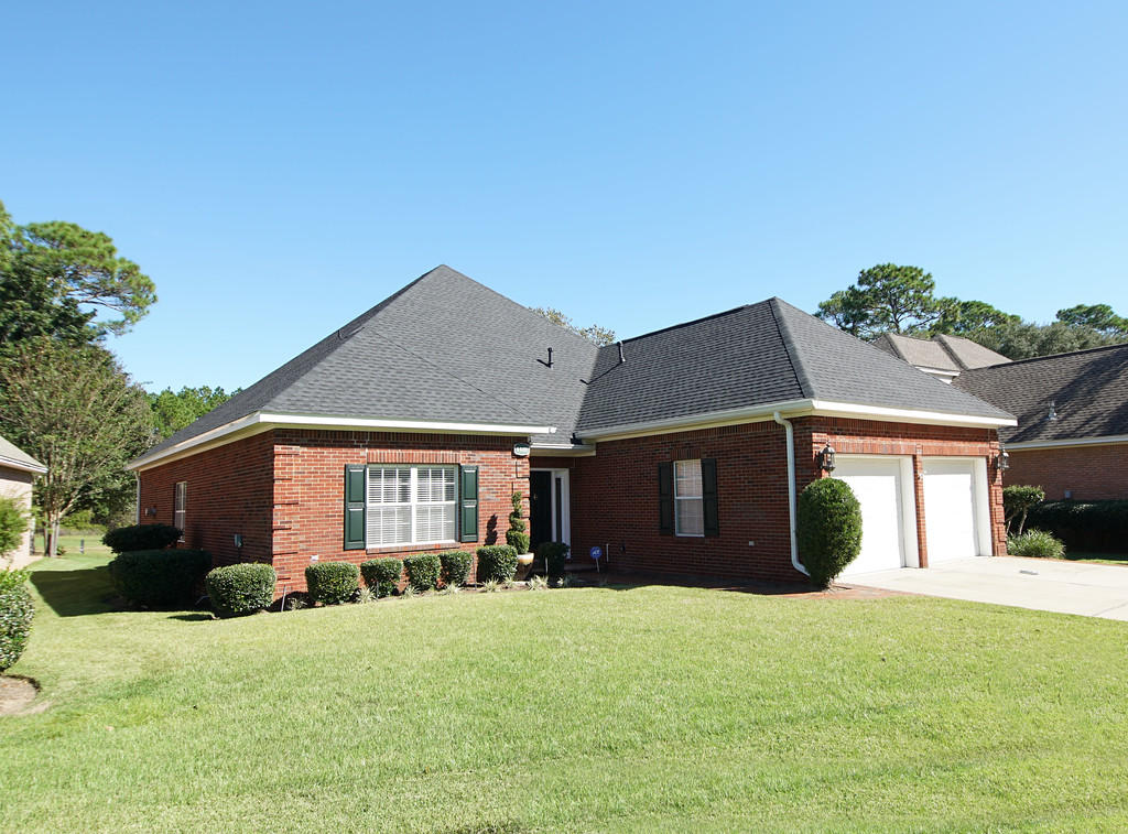 Photo of home for sale at 4439 Turnberry, Niceville FL