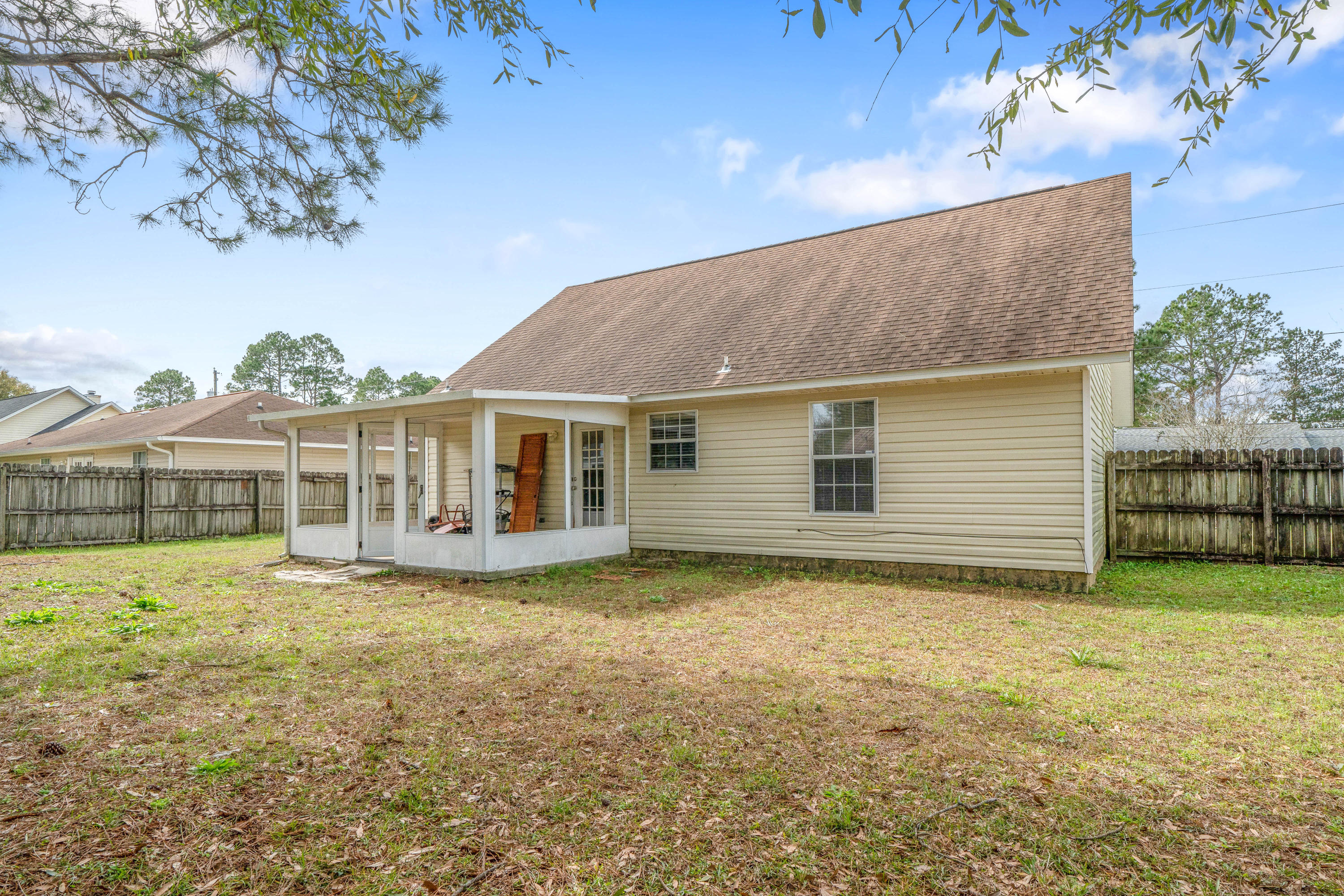 Photo of home for sale at 212 Water Oak, Crestview FL