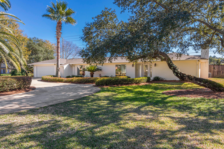 Photo of home for sale at 10 Sandestin Estates, Miramar Beach FL
