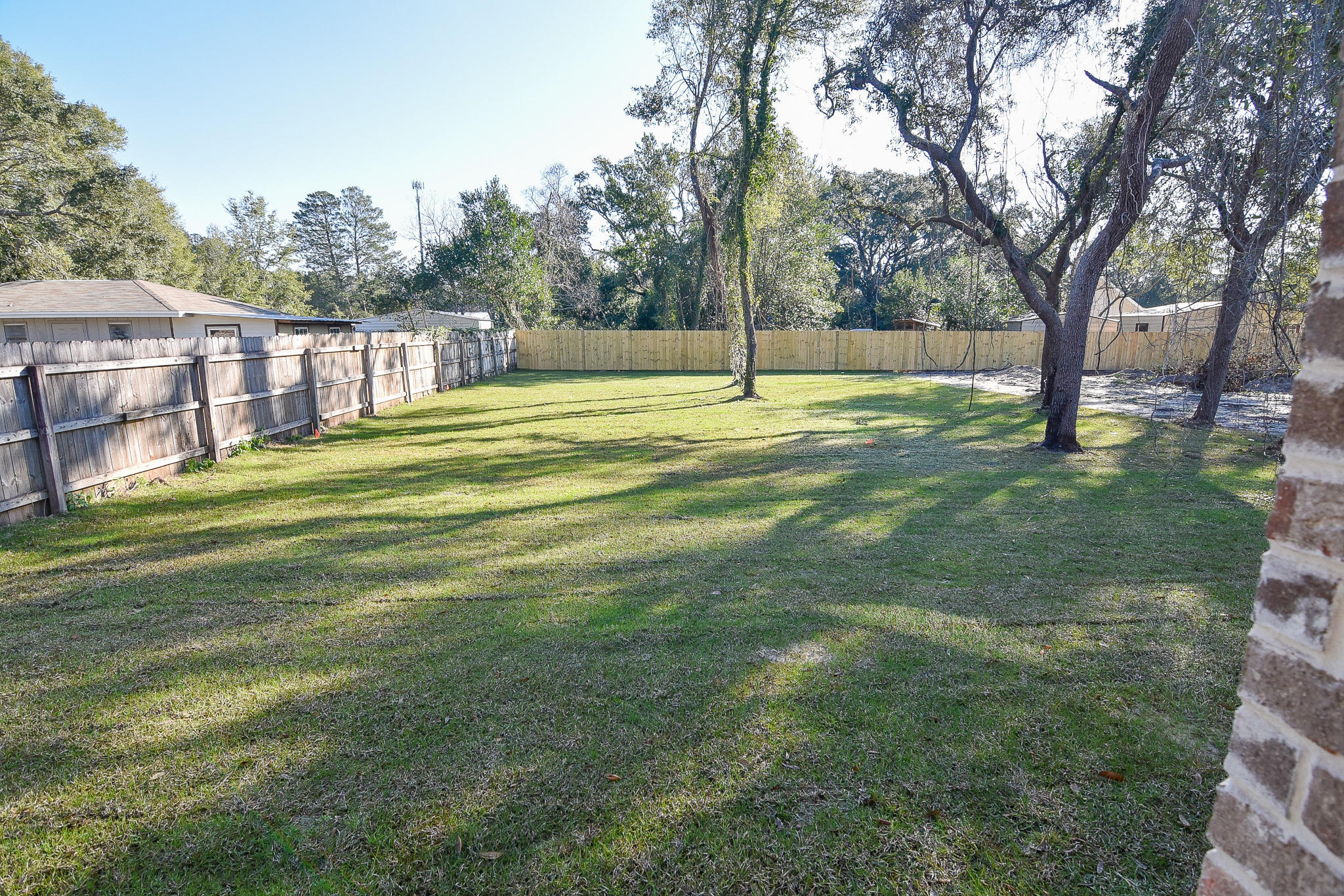 Photo of home for sale at 1439 Hickory, Niceville FL