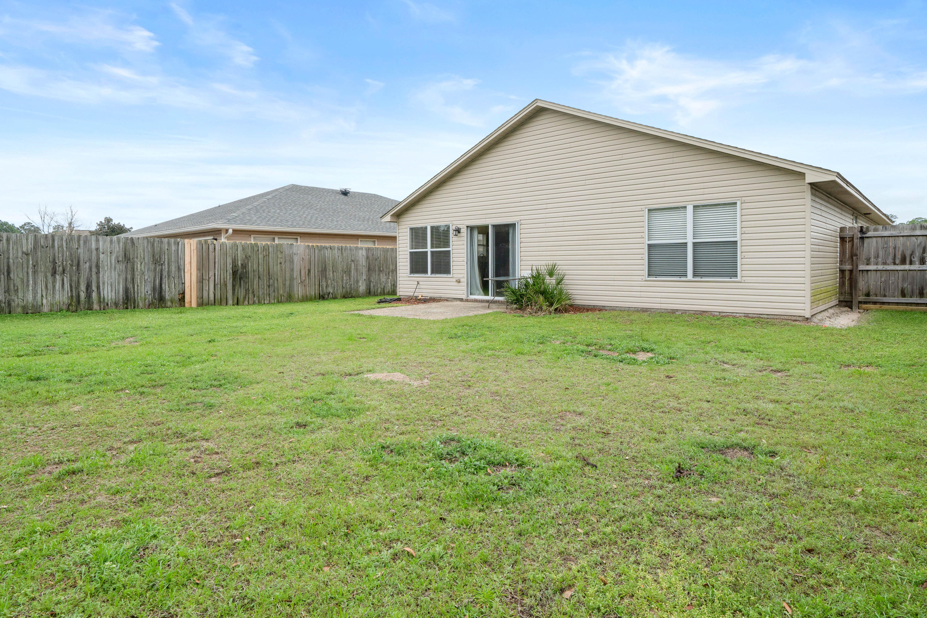Photo of home for sale at 2122 Durell, Navarre FL