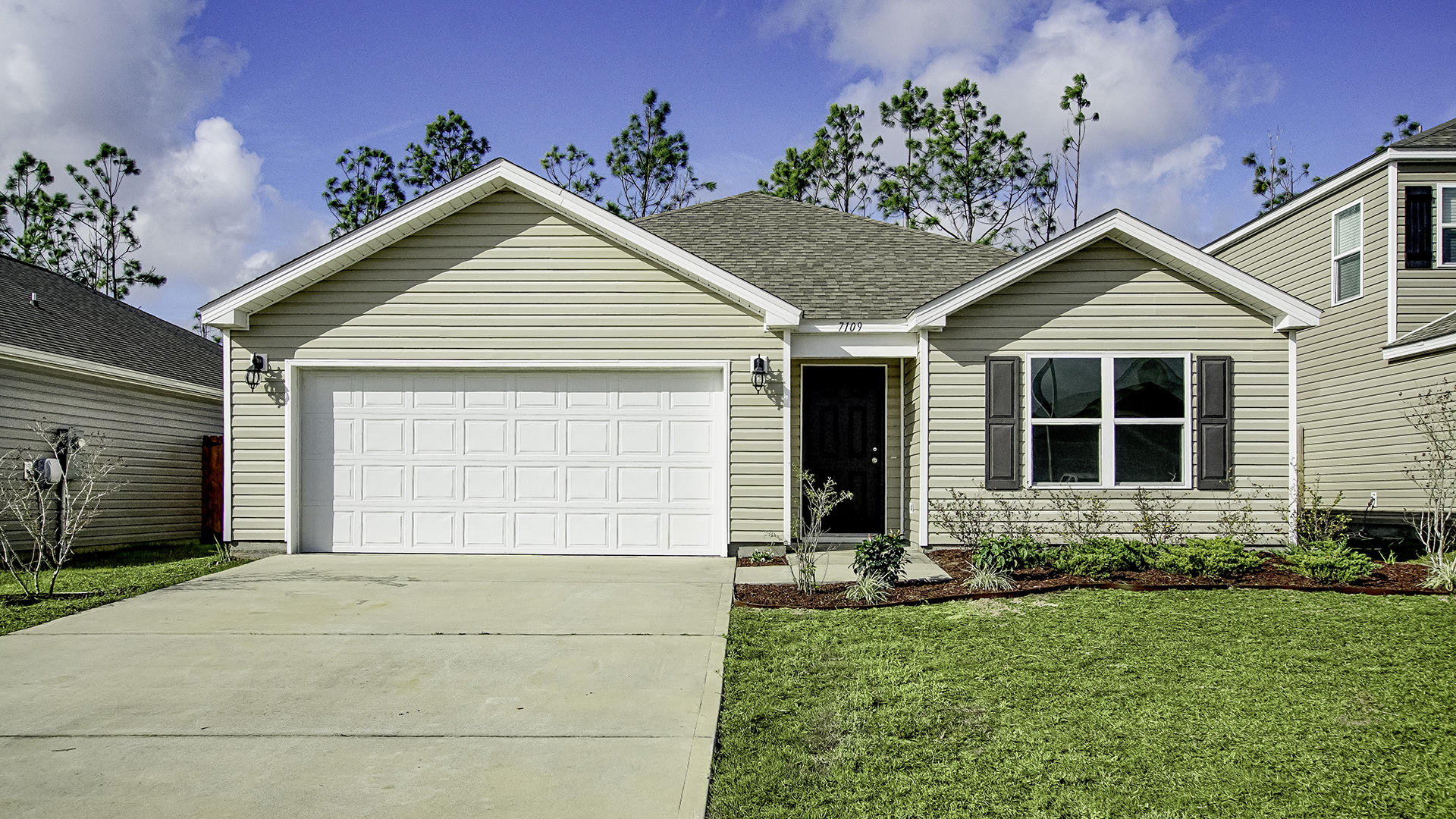 Photo of home for sale at 7109 Riverbrooke, Panama City FL