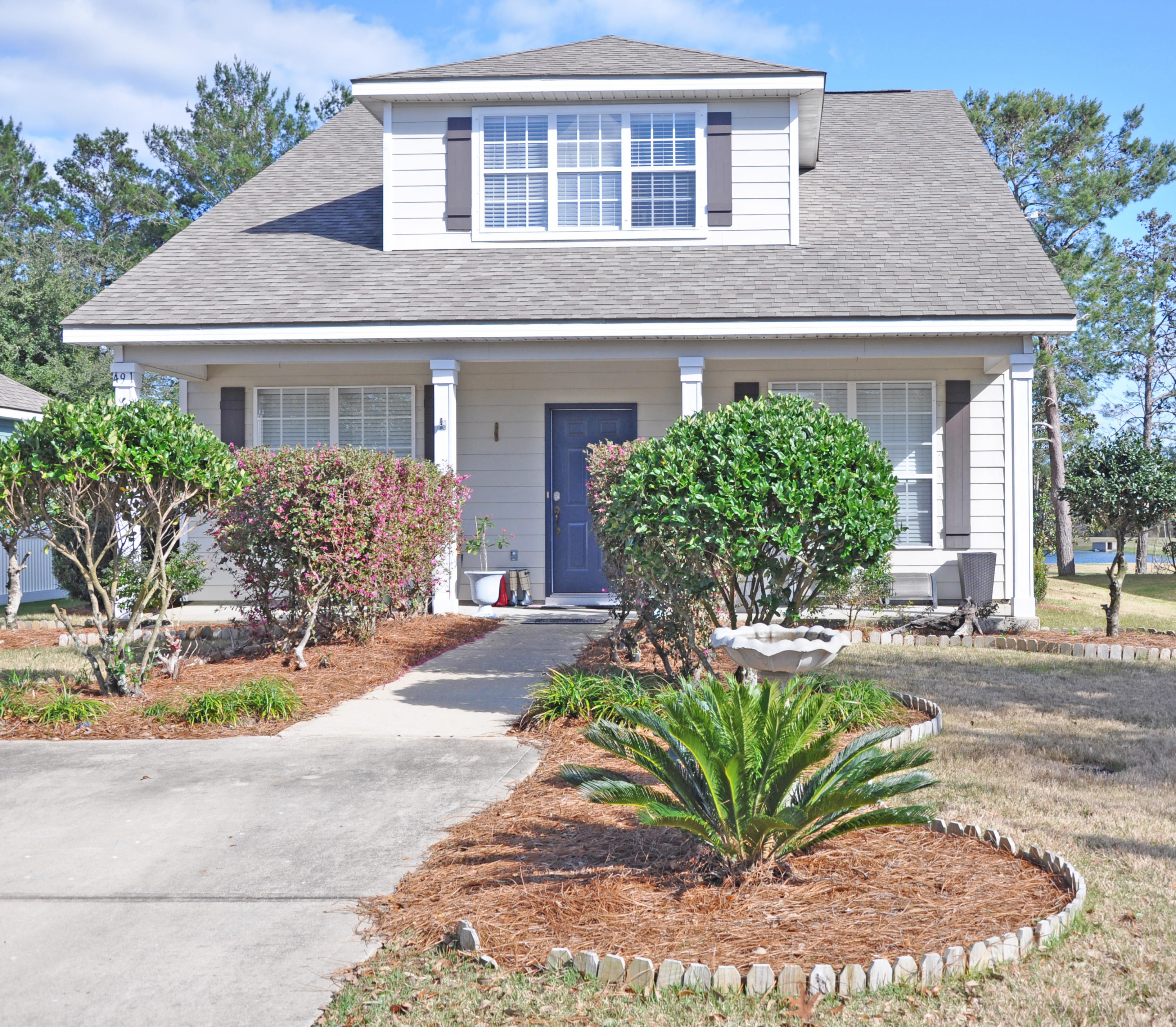 Photo of home for sale at 491 Fanny Ann, Freeport FL