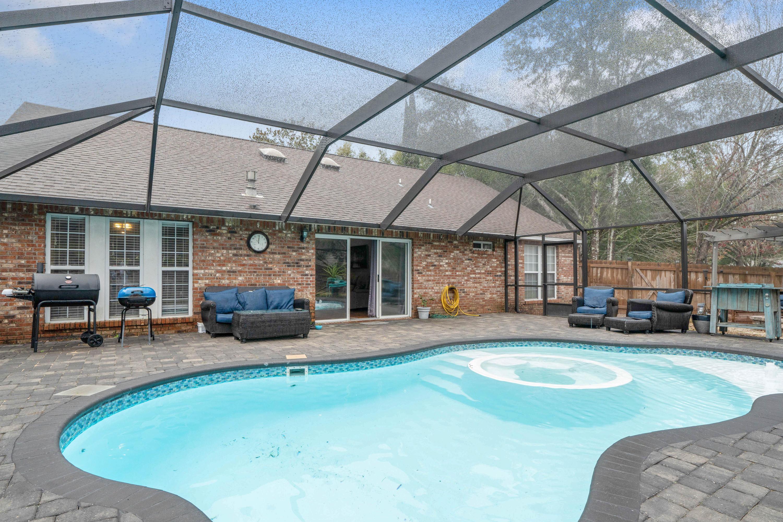 Photo of home for sale at 4501 Boca, Niceville FL