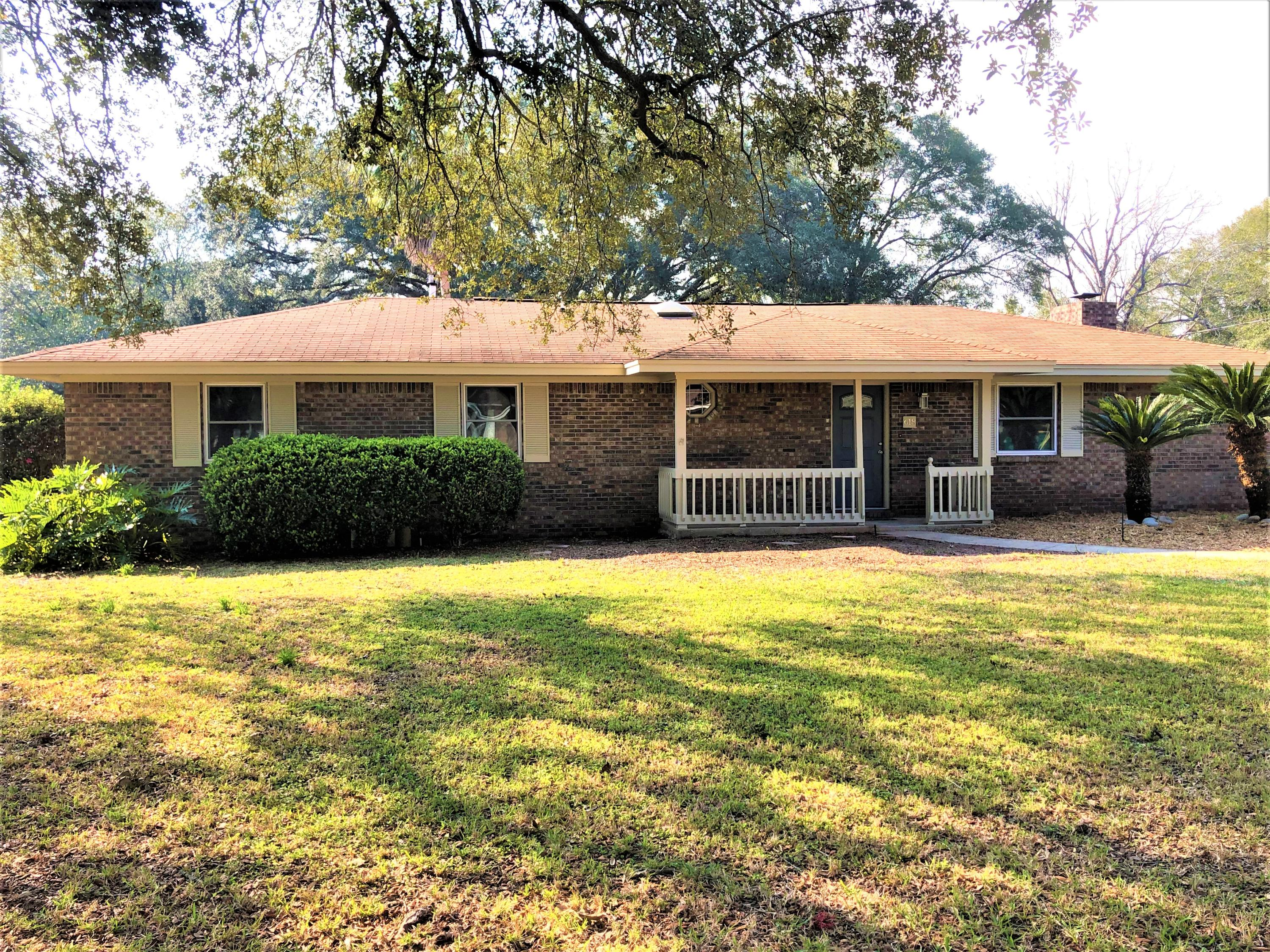 Don't miss this beautifully renovated home located within minutes of gorgeous beaches & Hurlburt Fie