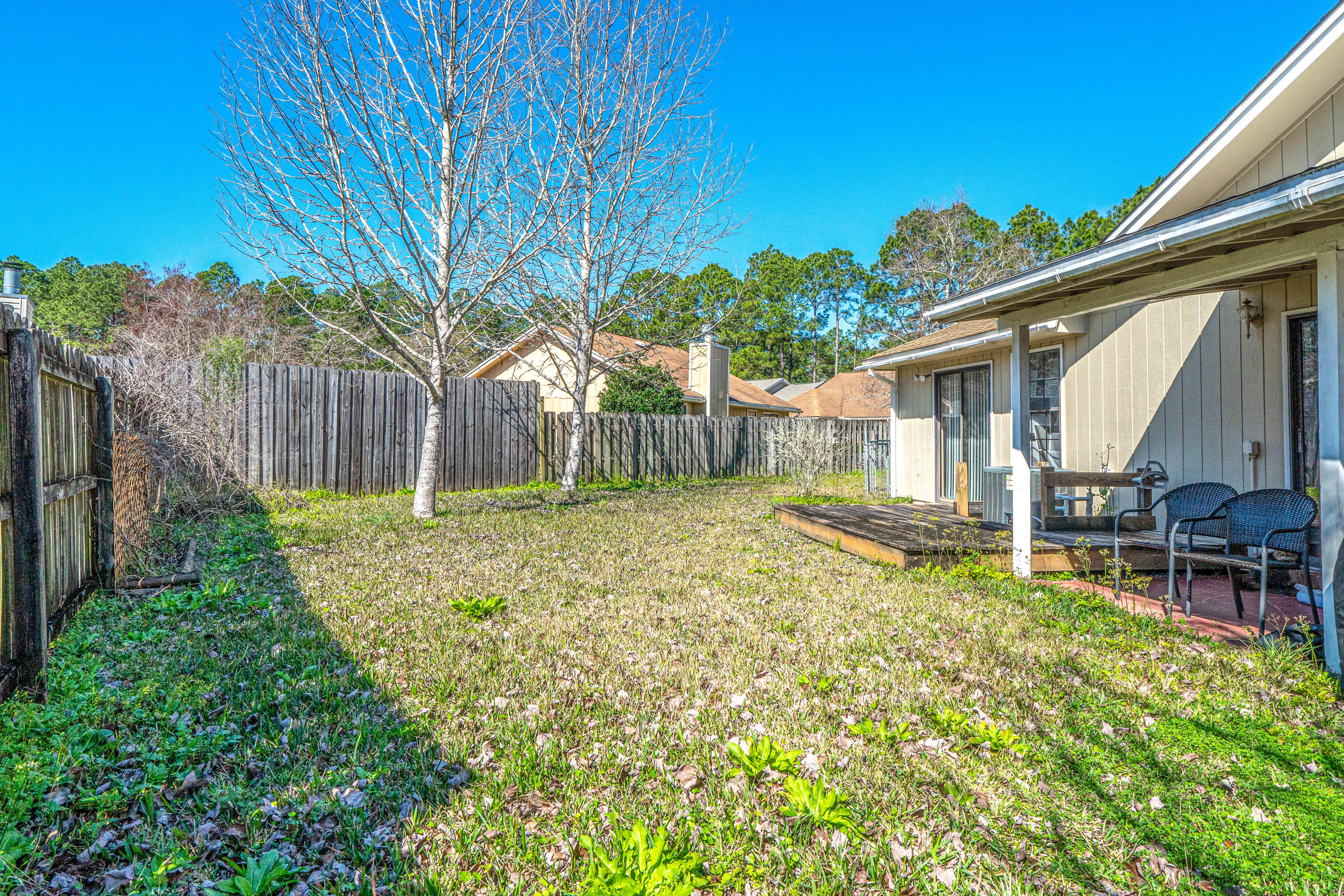 Photo of home for sale at 2204 Nancys, Fort Walton Beach FL