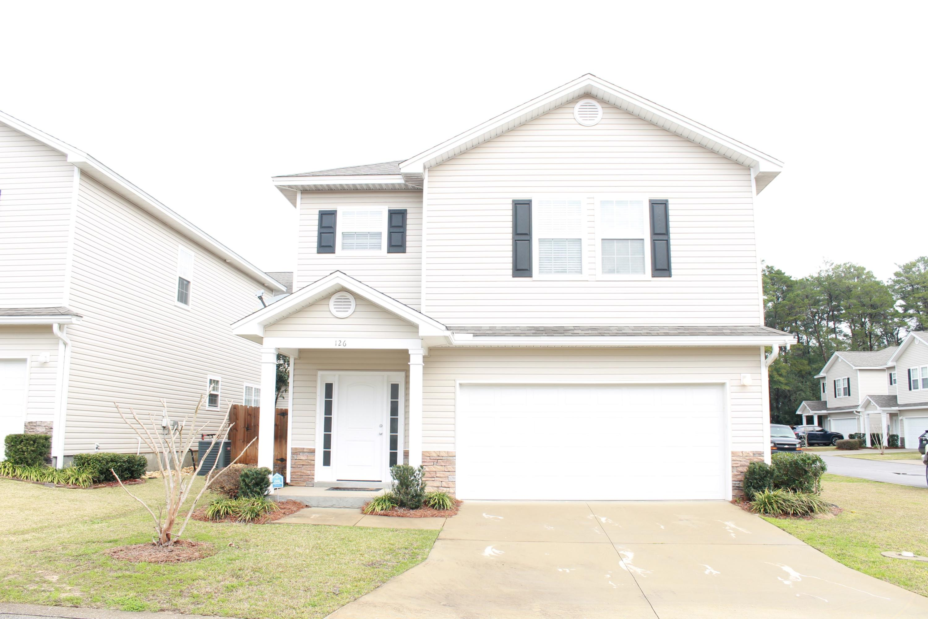 Available for move in on April 3.Located in the heart of Niceville, you will love occupying this new