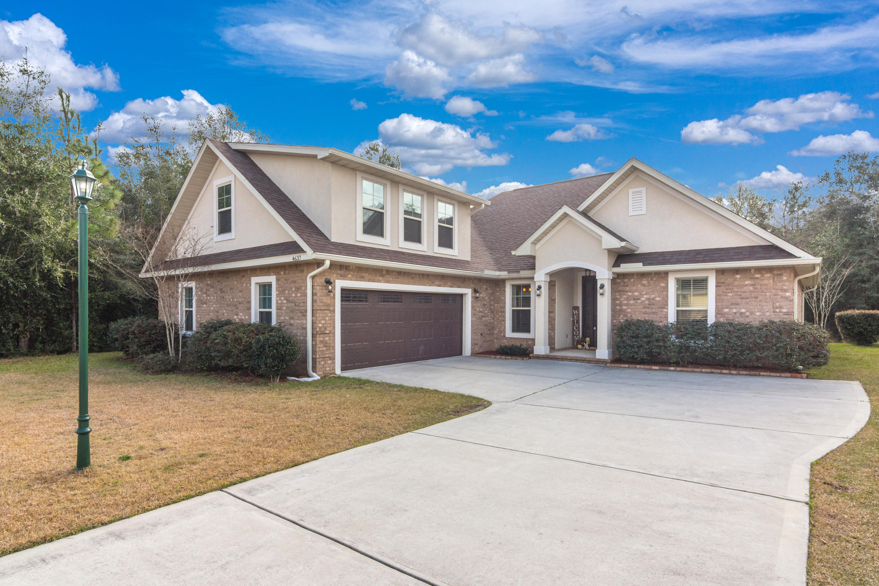 Photo of home for sale at 4637 Chanan, Crestview FL