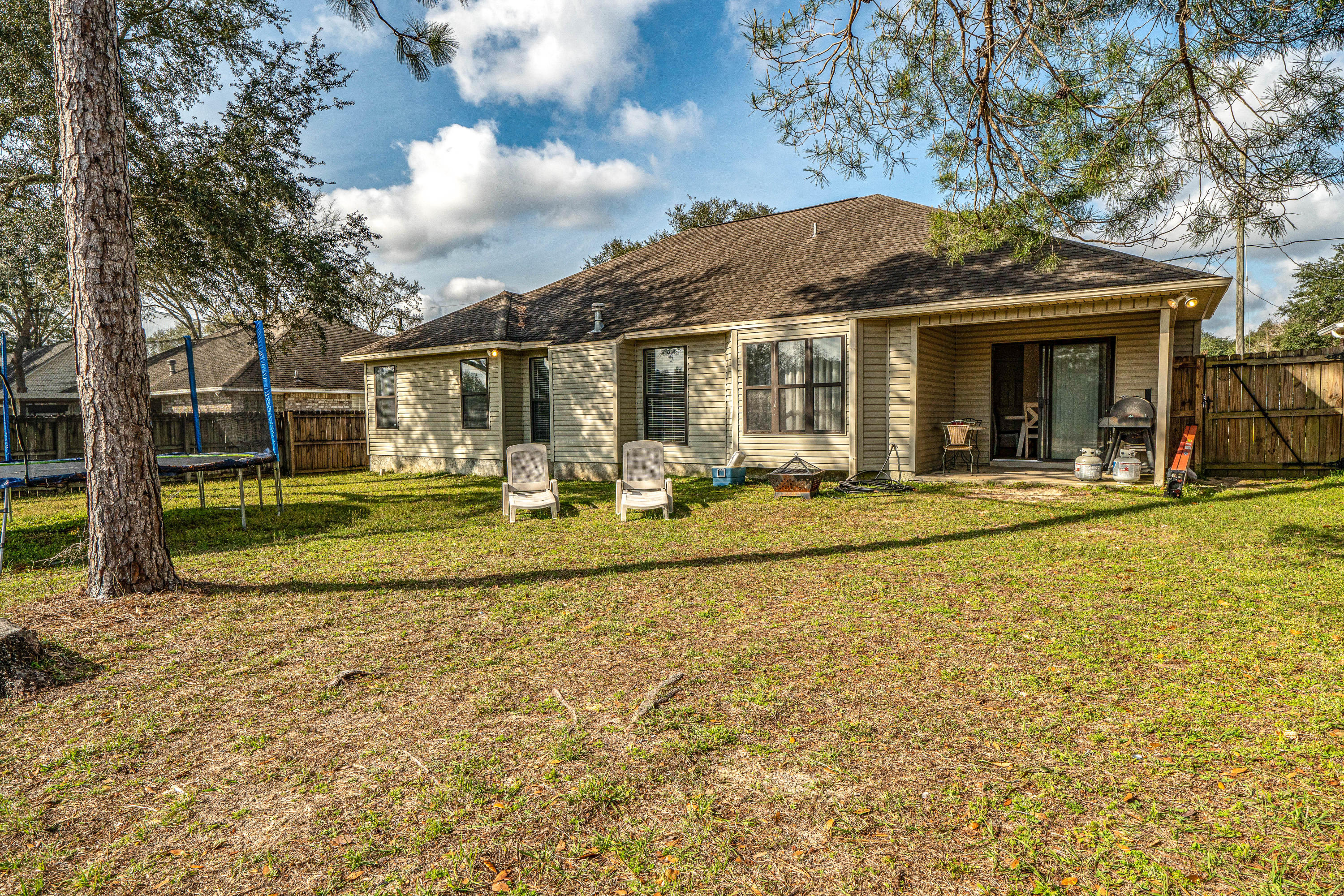 Photo of home for sale at 4613 Top Flight, Crestview FL