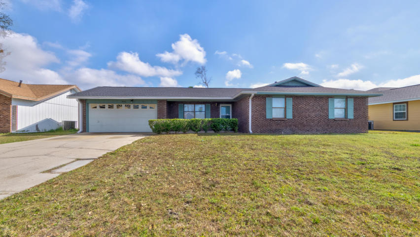 Photo of home for sale at 218 Collinfurst, Panama City FL