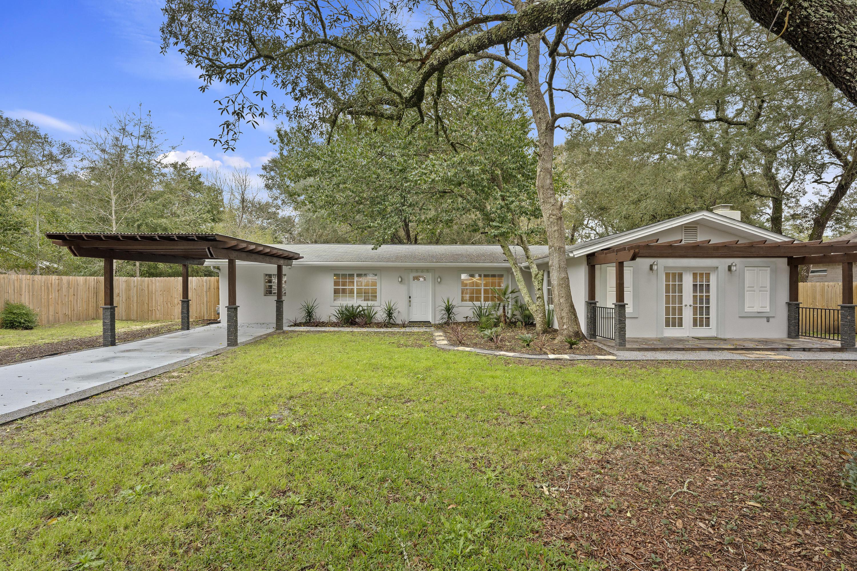 A 4 Bedroom 3 Bedroom Seminole Home